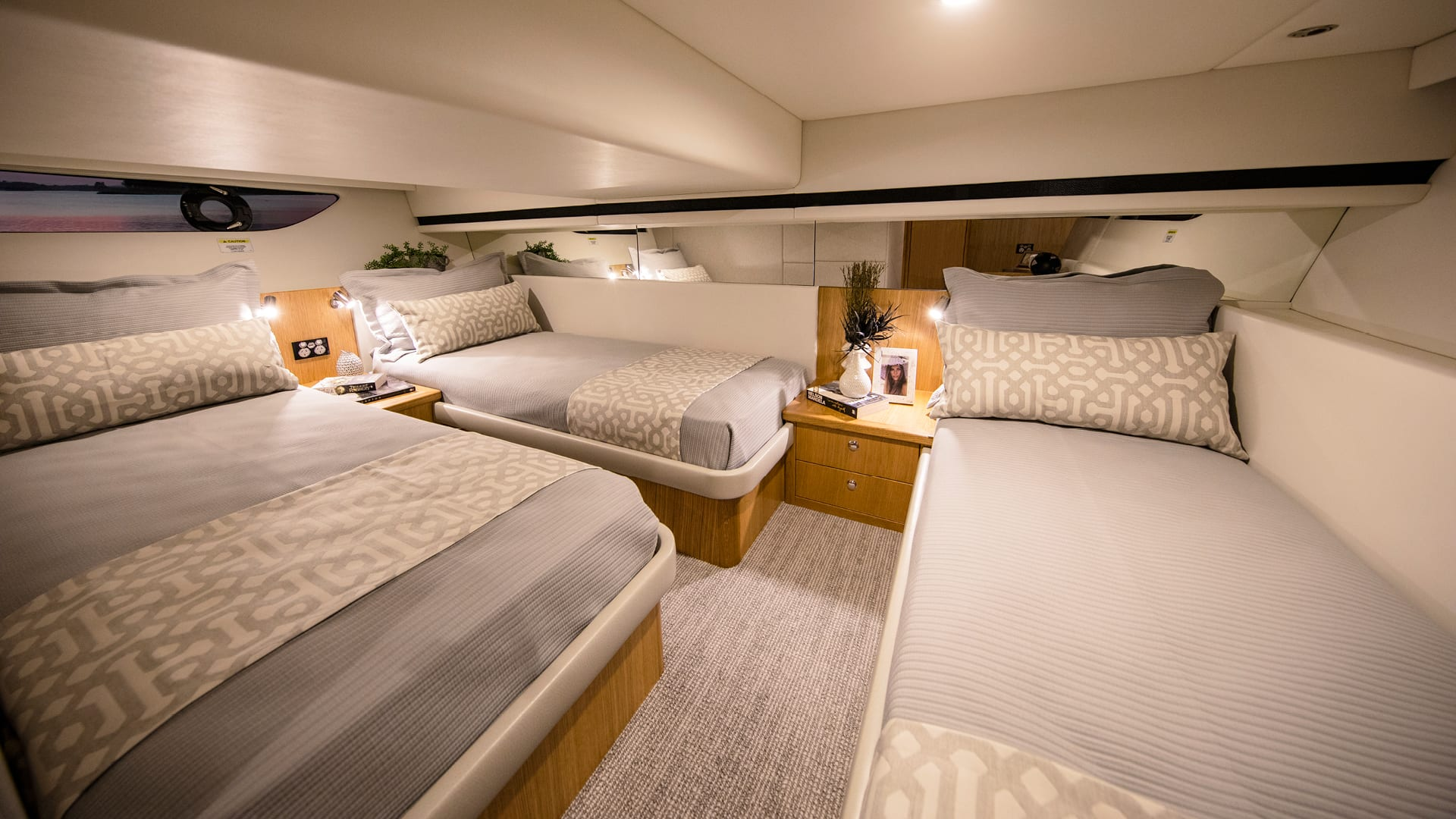 Riviera 39 Sports Motor Yacht Guest Stateroom