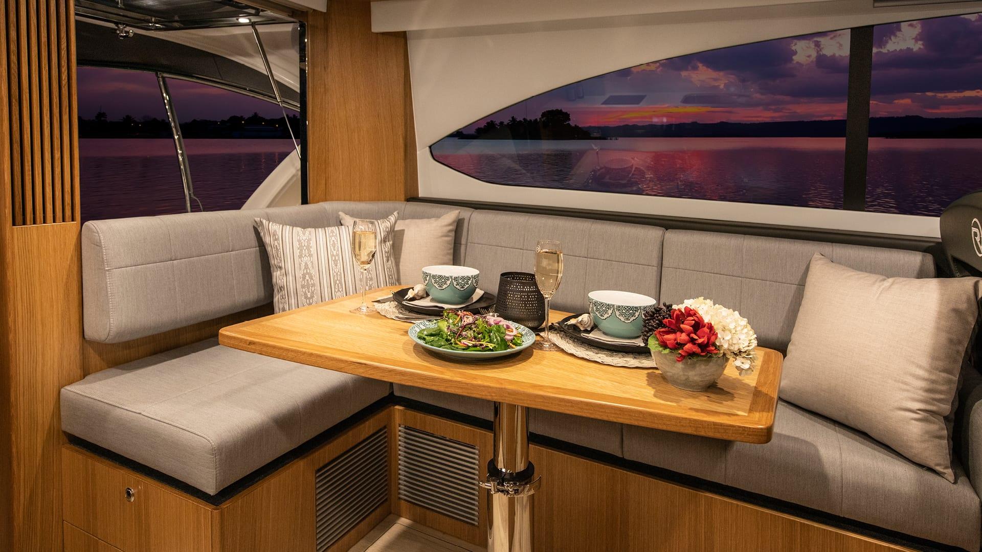 Riviera 39 Sports Motor Yacht Saloon Dining