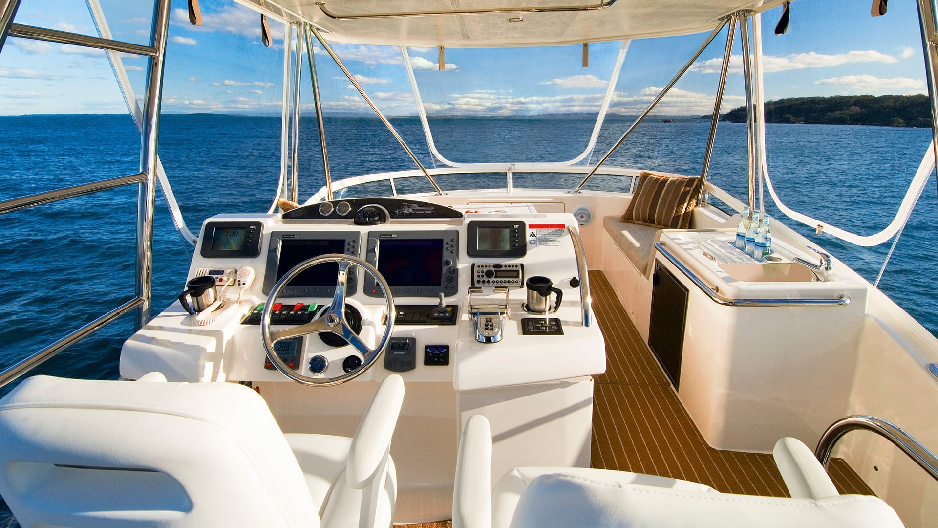 Riviera 45 Open Flybridge Flybridge 03