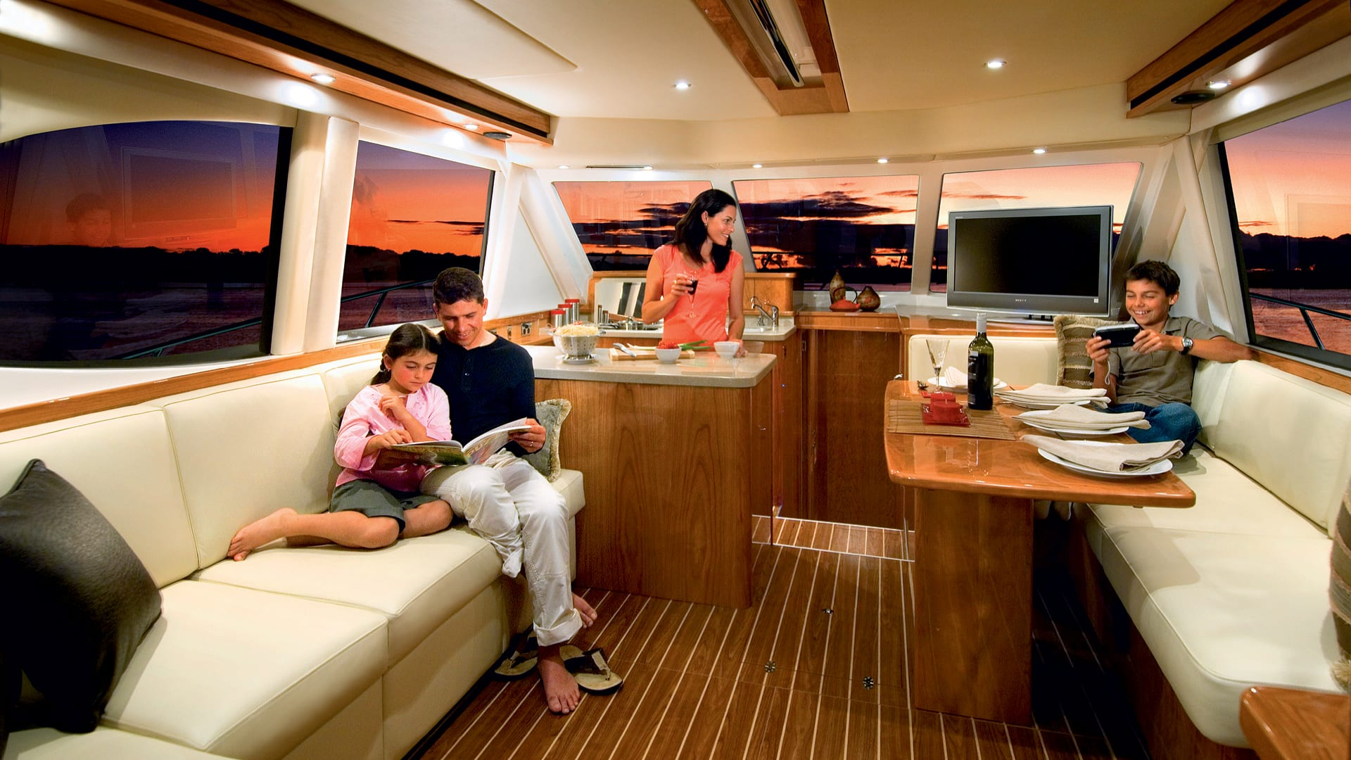 Riviera 45 Open Flybridge Saloon 01