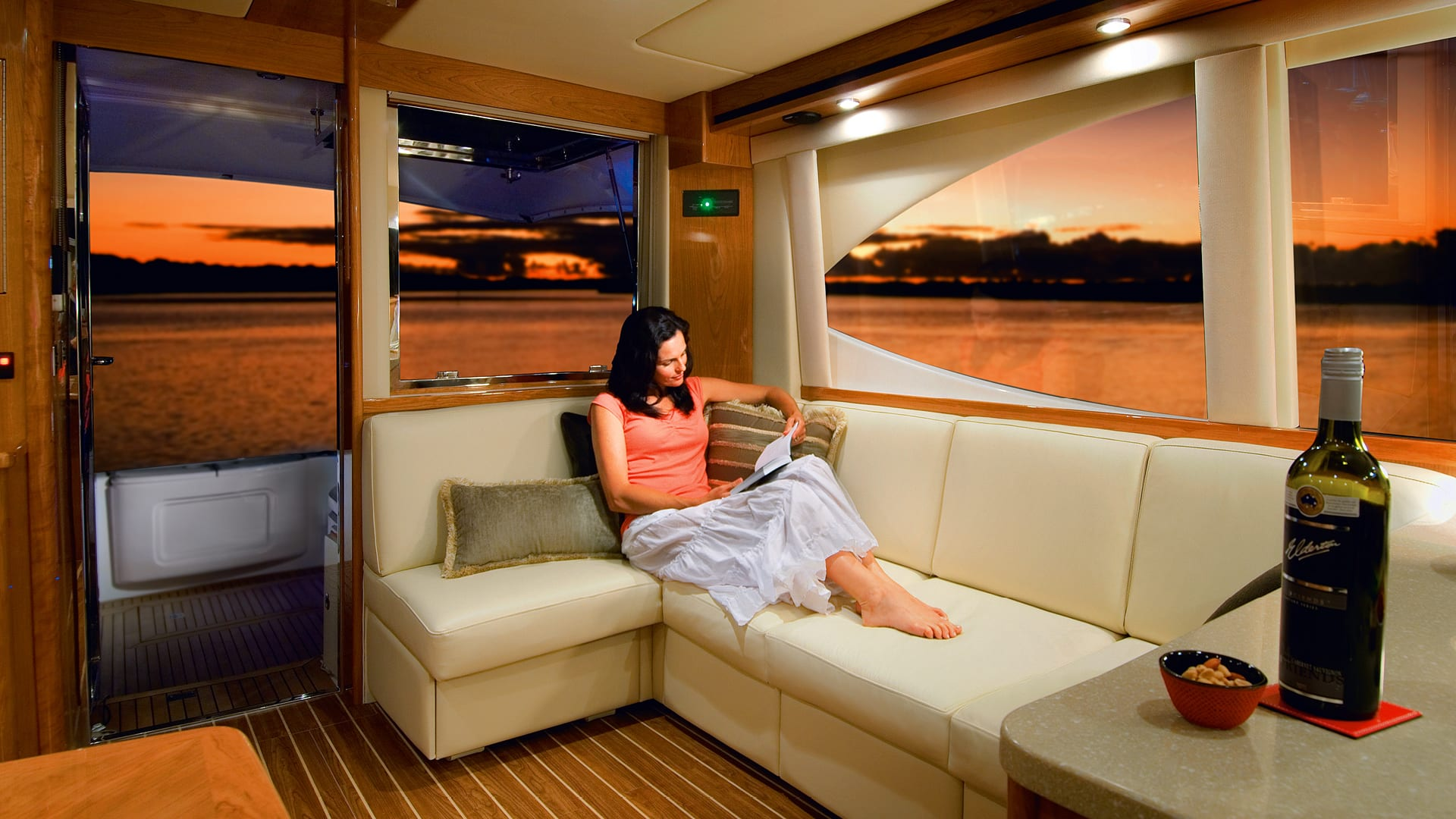 Riviera 45 Open Flybridge Saloon 02