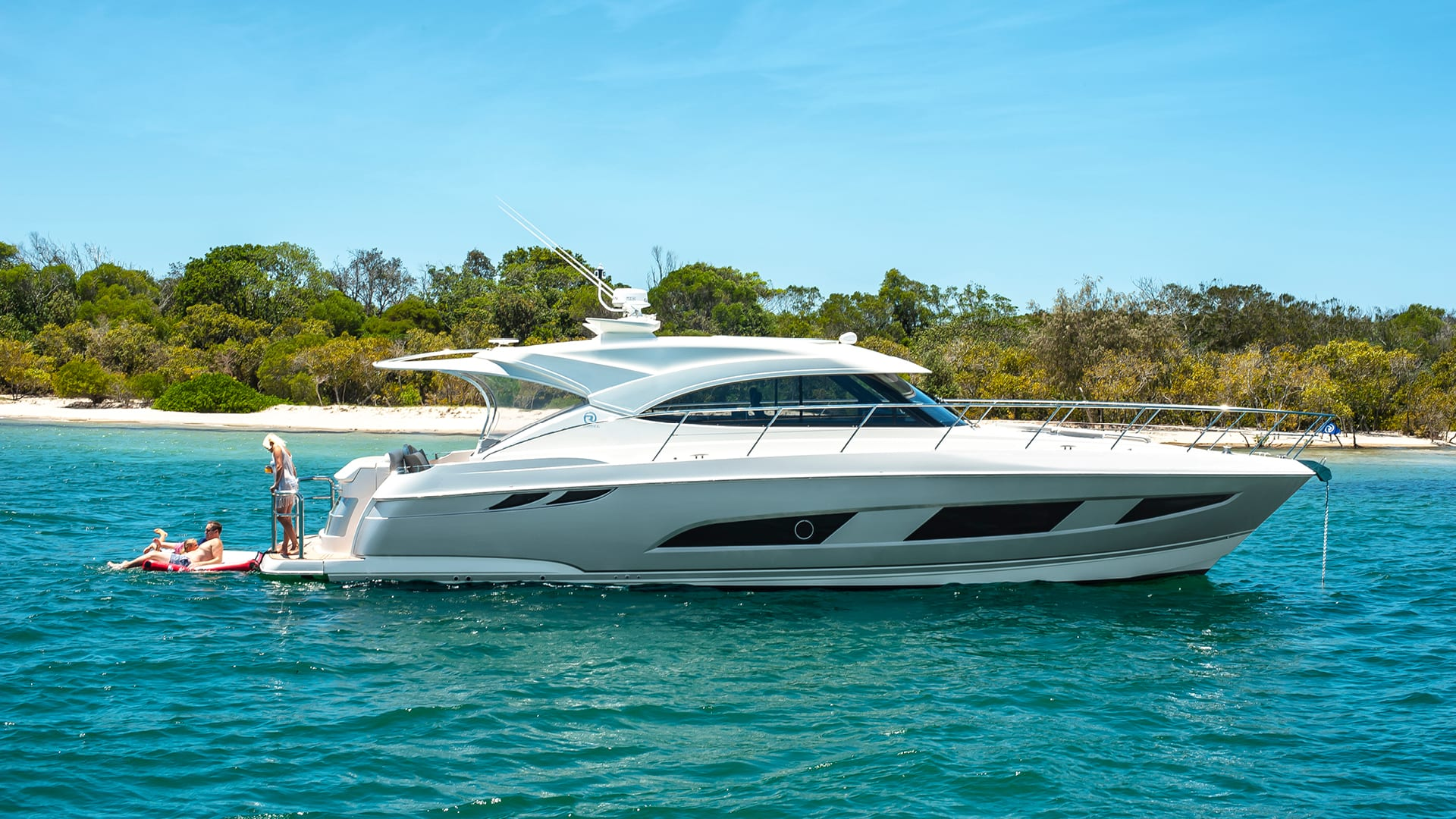 Riviera 4800 Sport Yacht Anchored 02
