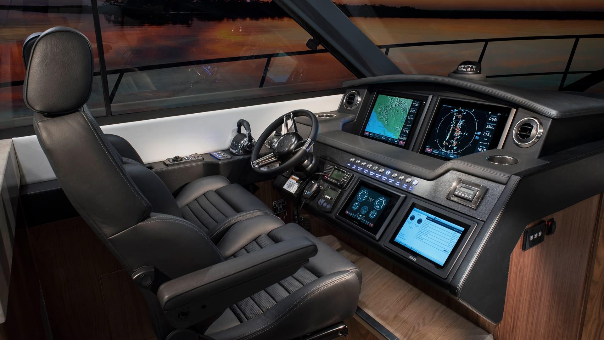 Riviera 4800 Sport Yacht Helm 01