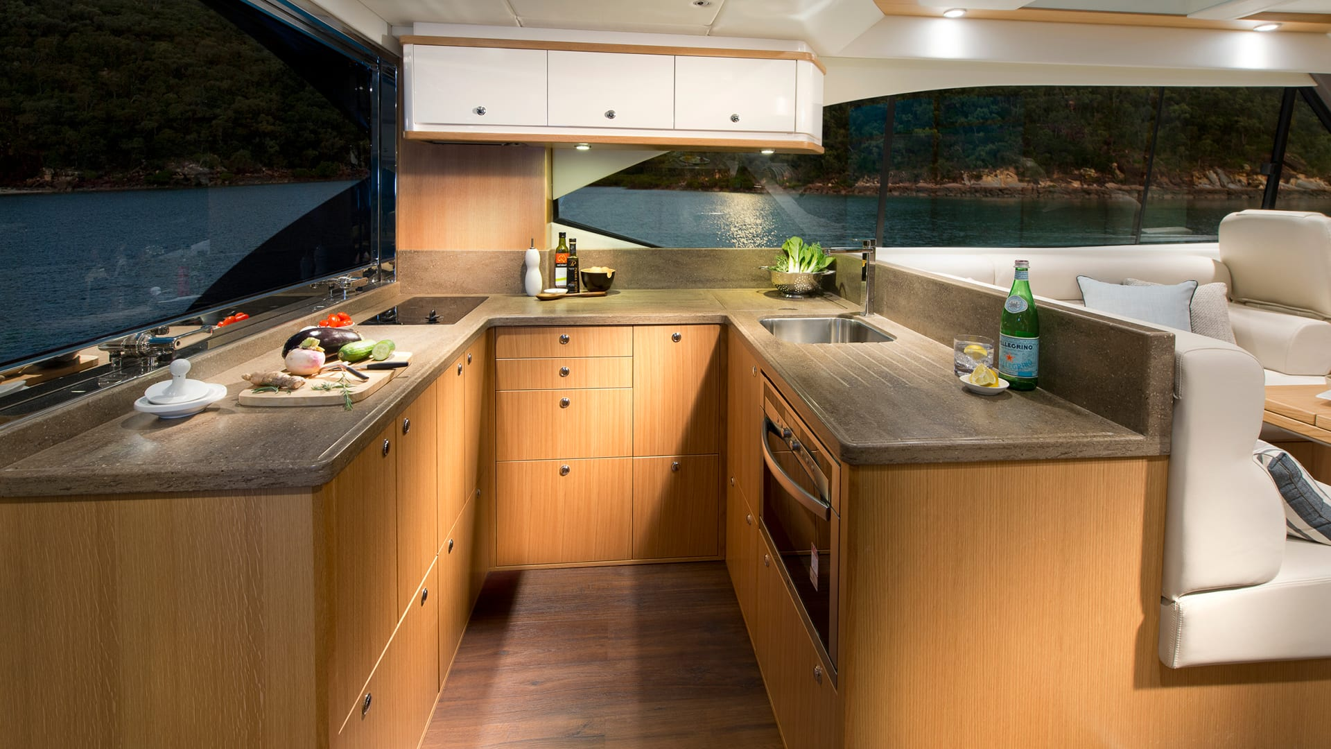 Riviera 525 SUV Galley