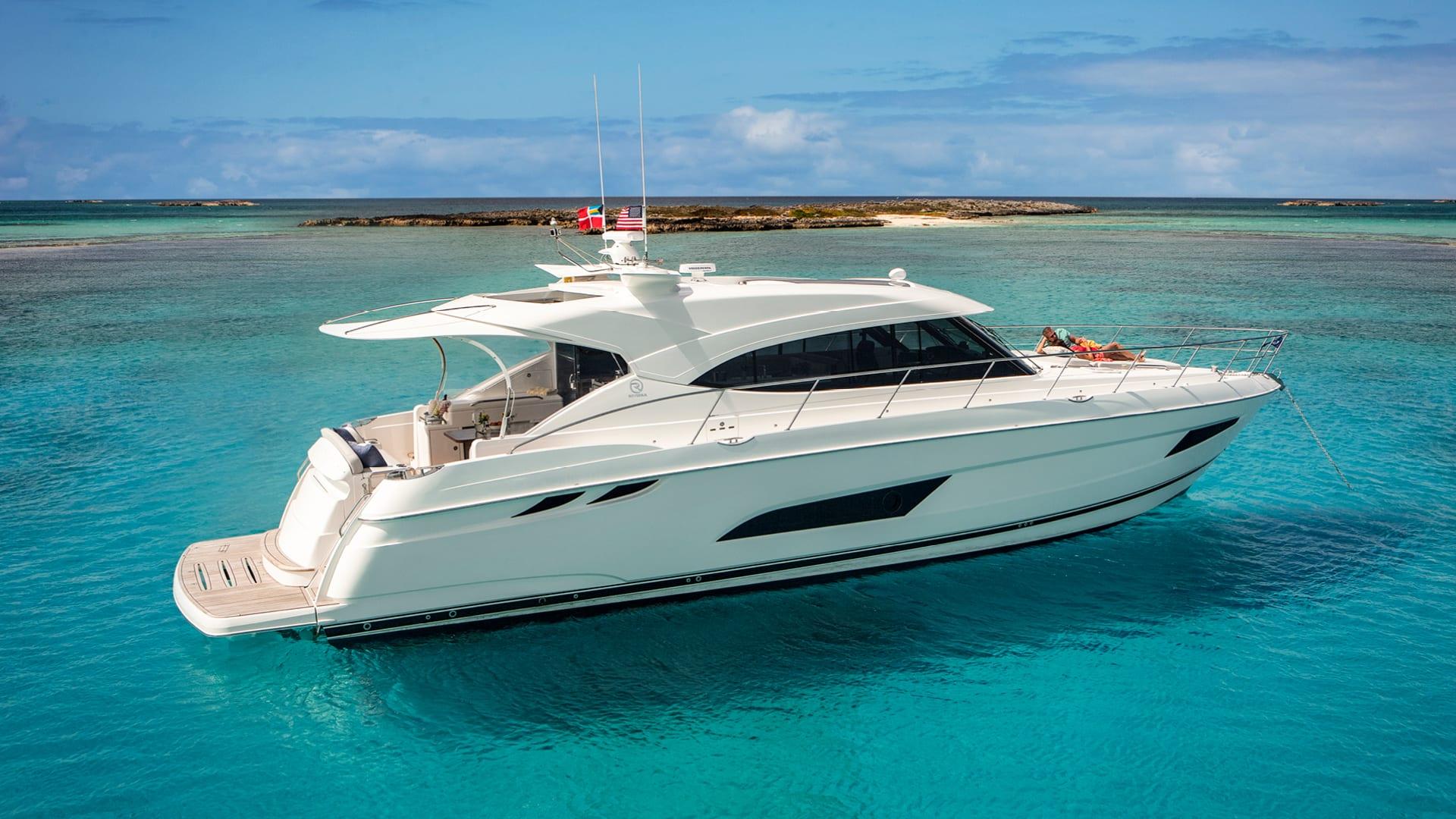 Riviera 5400 Sport Yacht Anchored 03
