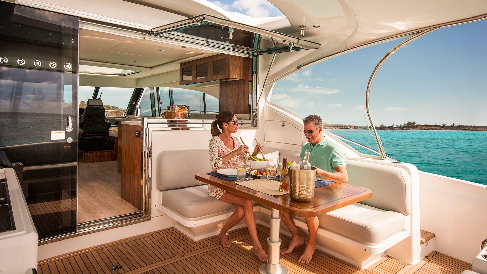 Riviera 5400 Sport Yacht Cockpit Alfresco Dining
