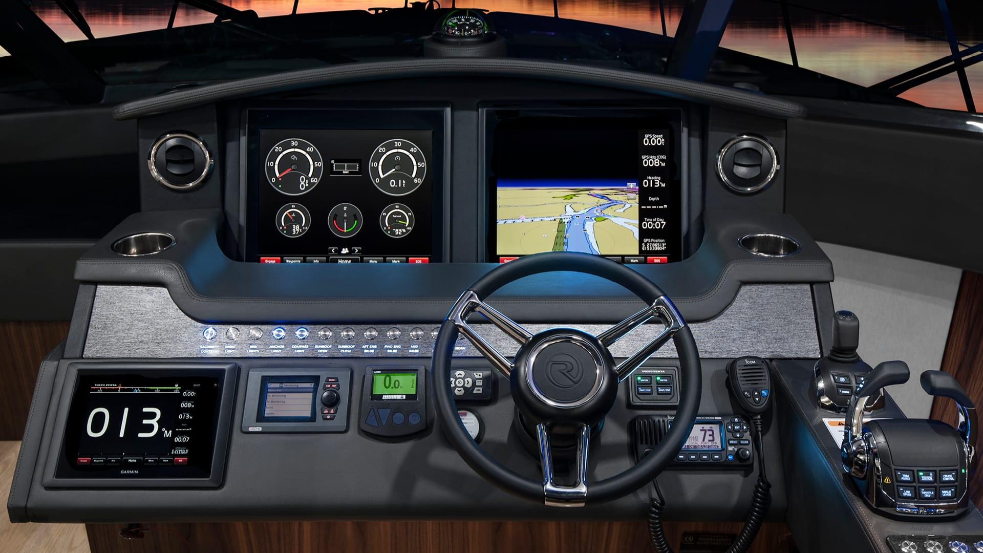 Riviera 5400 Sport Yacht Dash