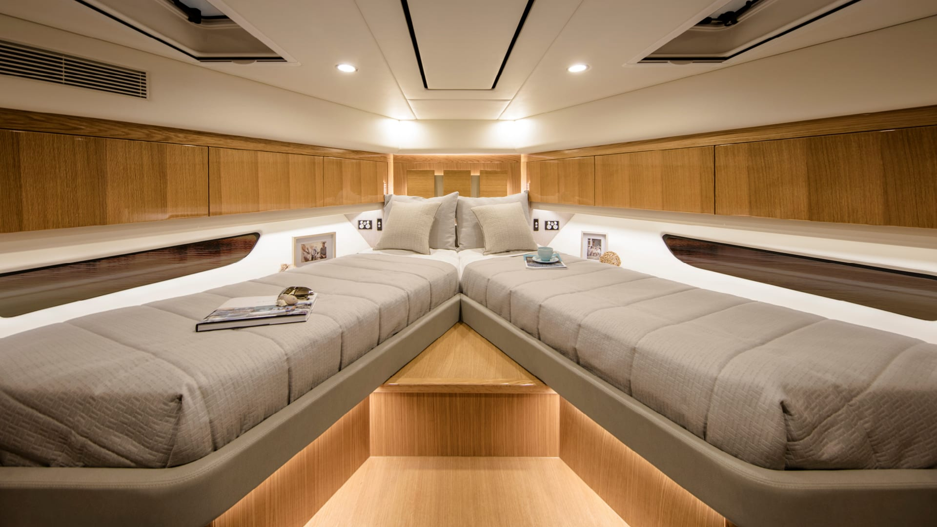 Riviera 575 SUV Optional Forward VIP Guest Stateroom – Satin Oak Timber Finish