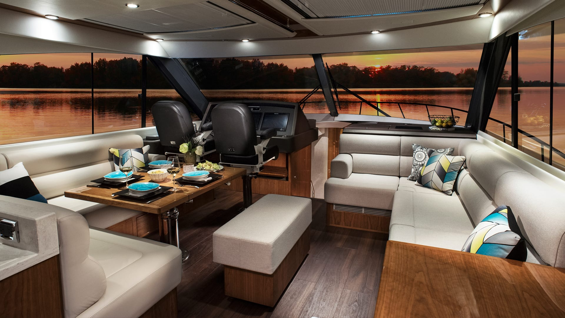 Riviera 575 SUV Saloon – Gloss Walnut Timber Finish