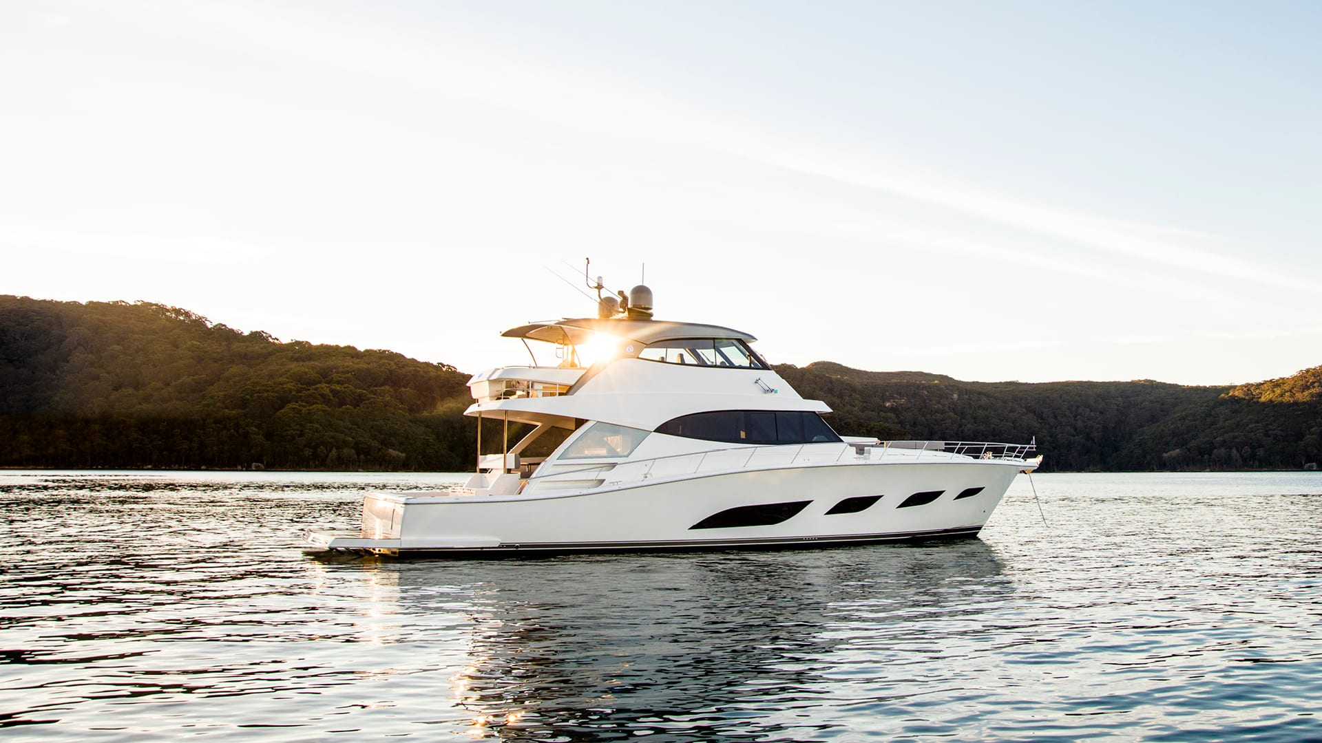 Riviera 68 Sports Motor Yacht Anchored 02