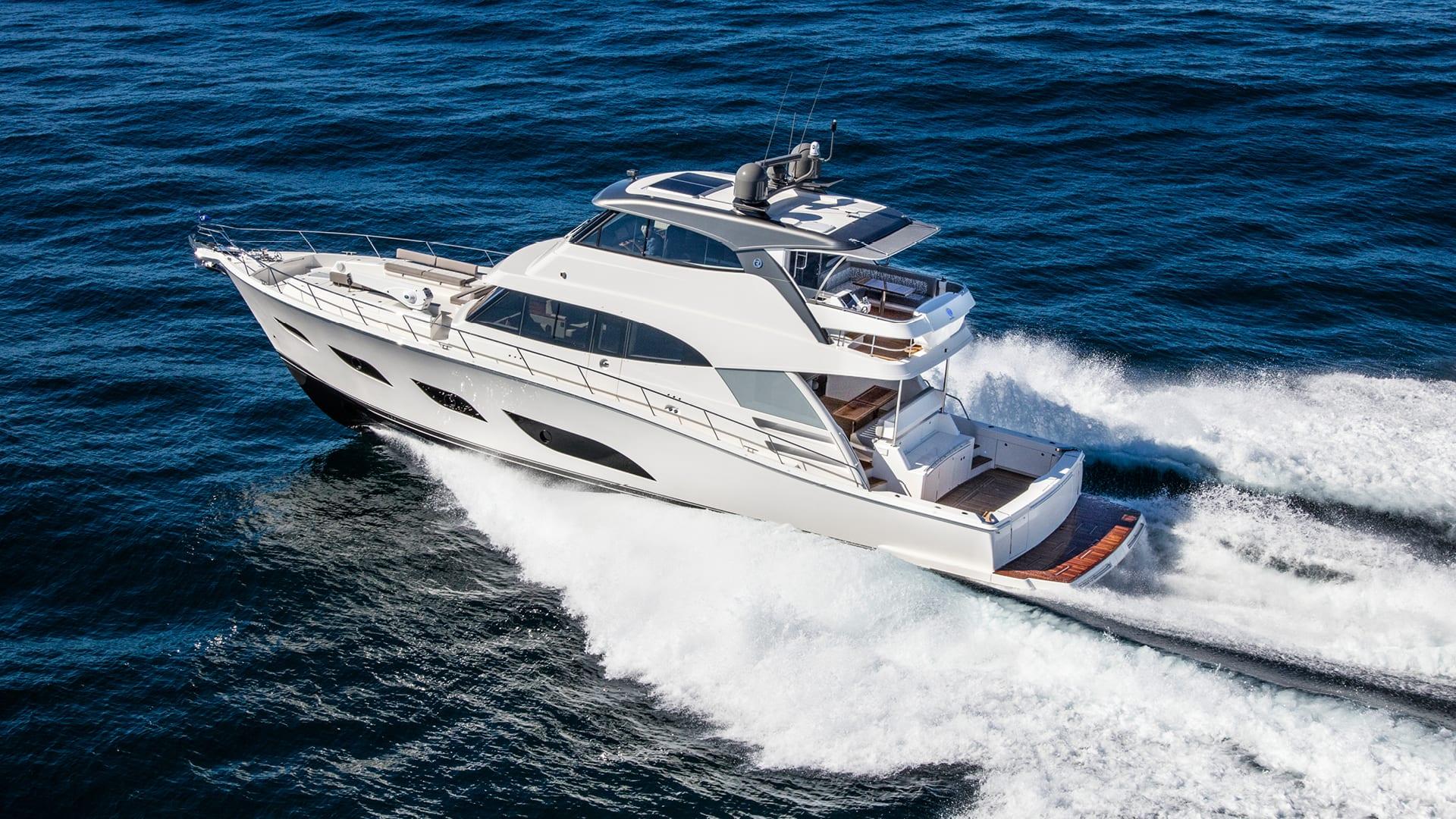Riviera 68 Sports Motor Yacht Running 01