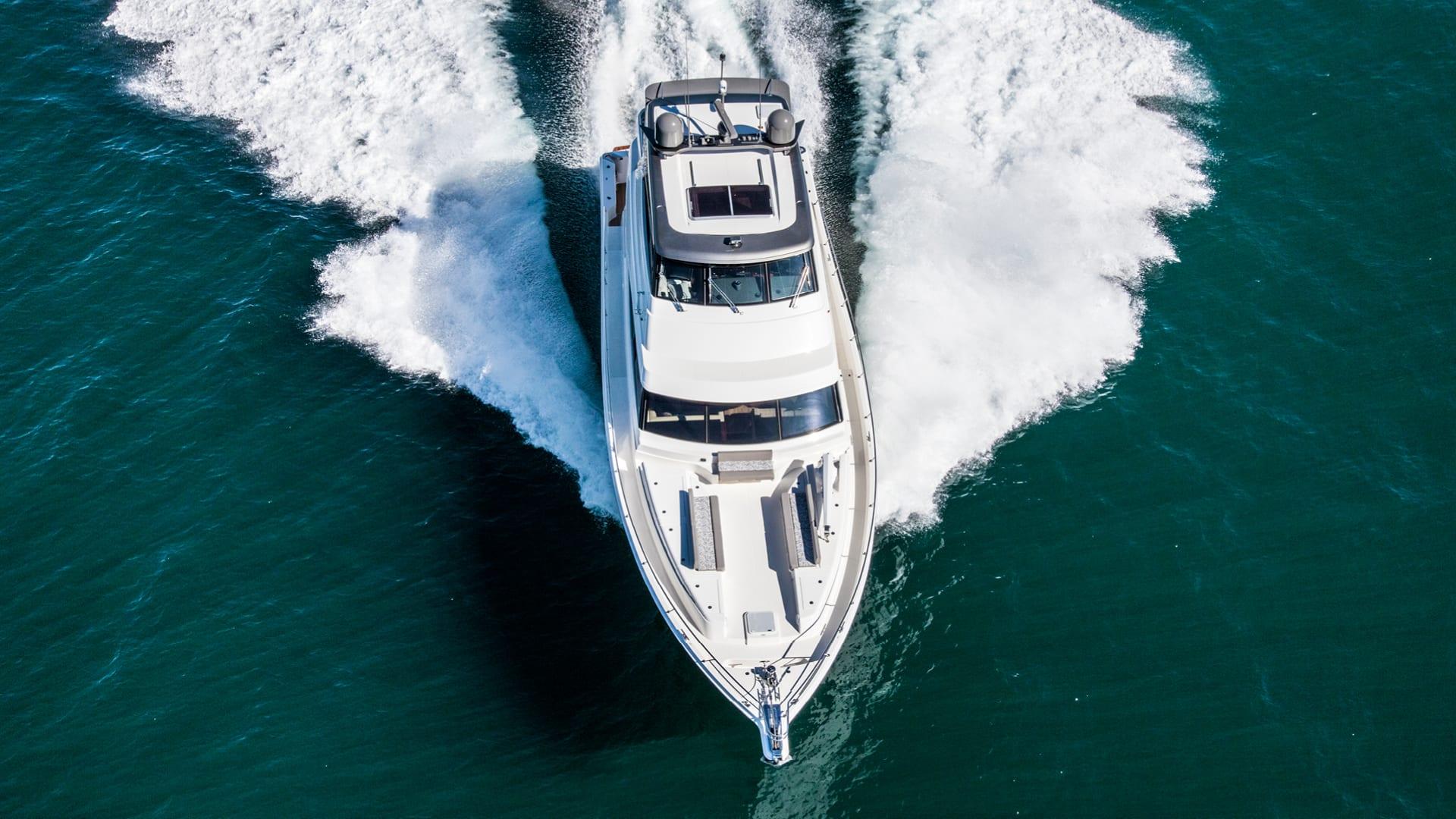 Riviera 68 Sports Motor Yacht Running 06