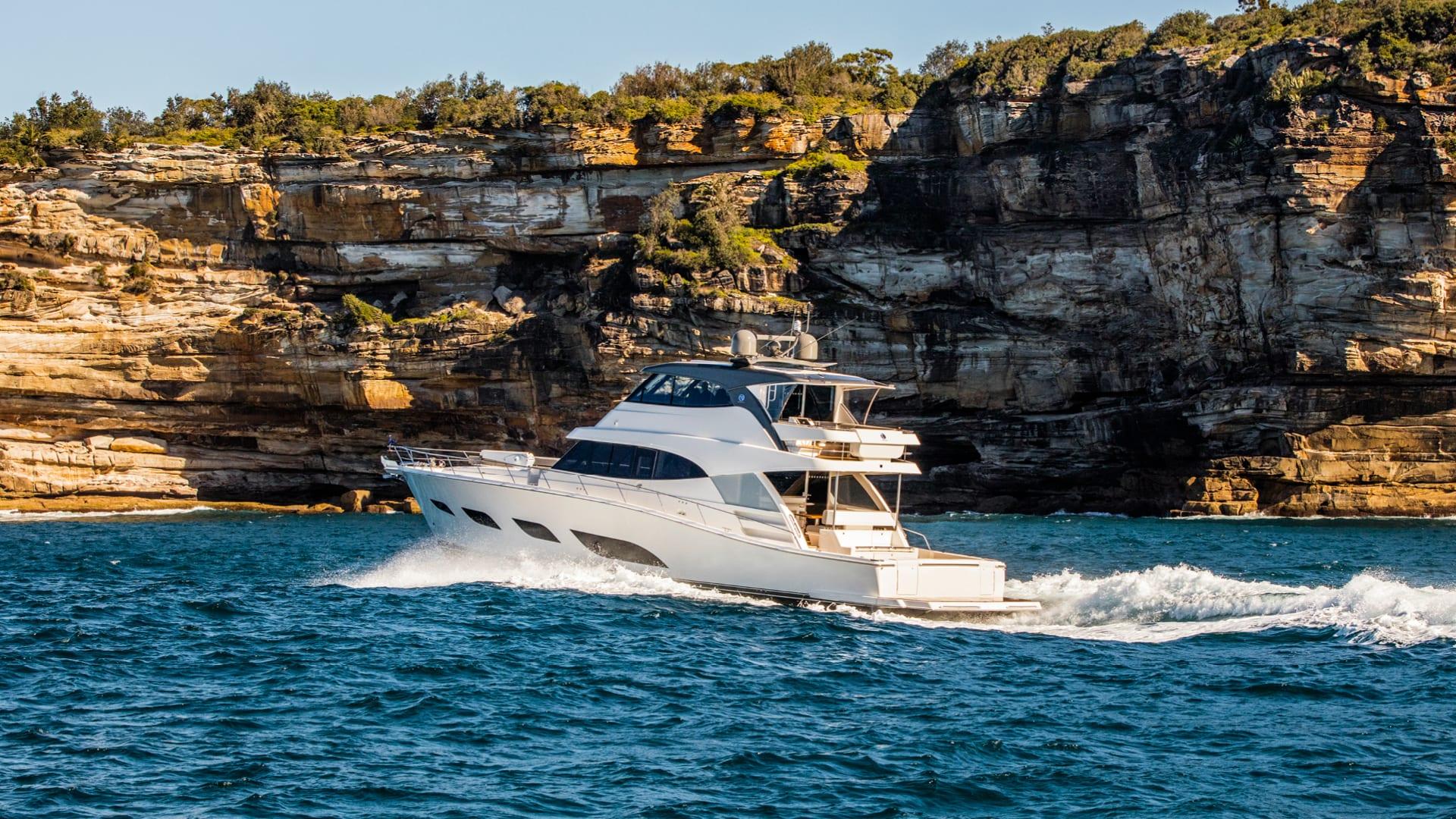 Riviera 68 Sports Motor Yacht Running 07