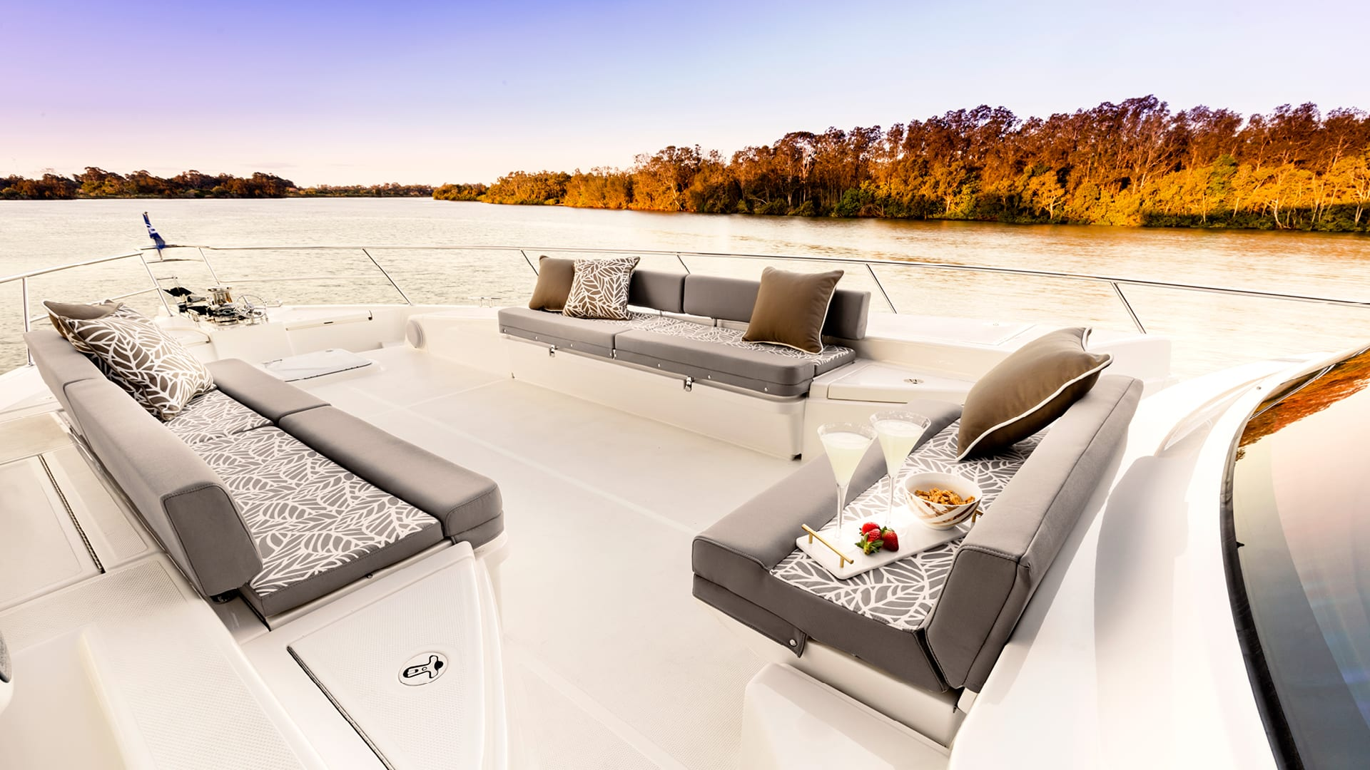 Riviera 72 Sports Motor Yacht Foredeck 01