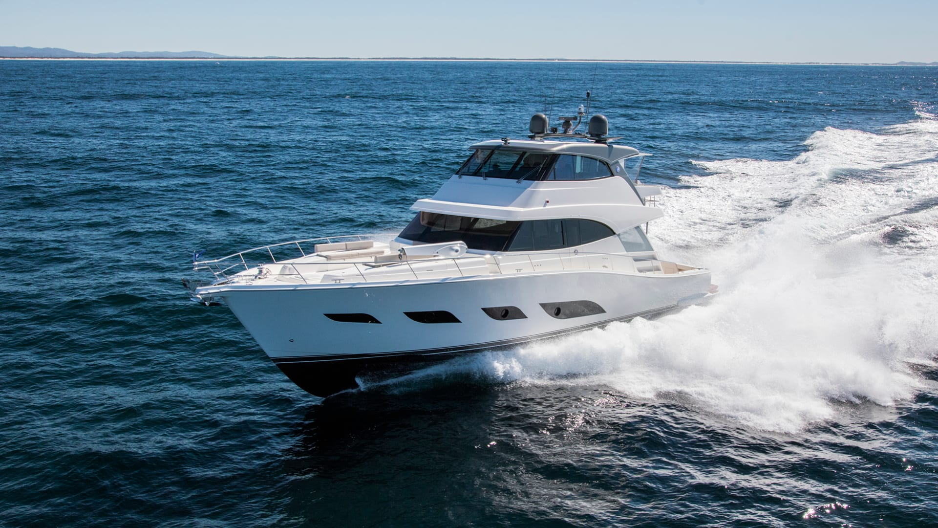 Riviera 72 Sports Motor Yacht Running 03