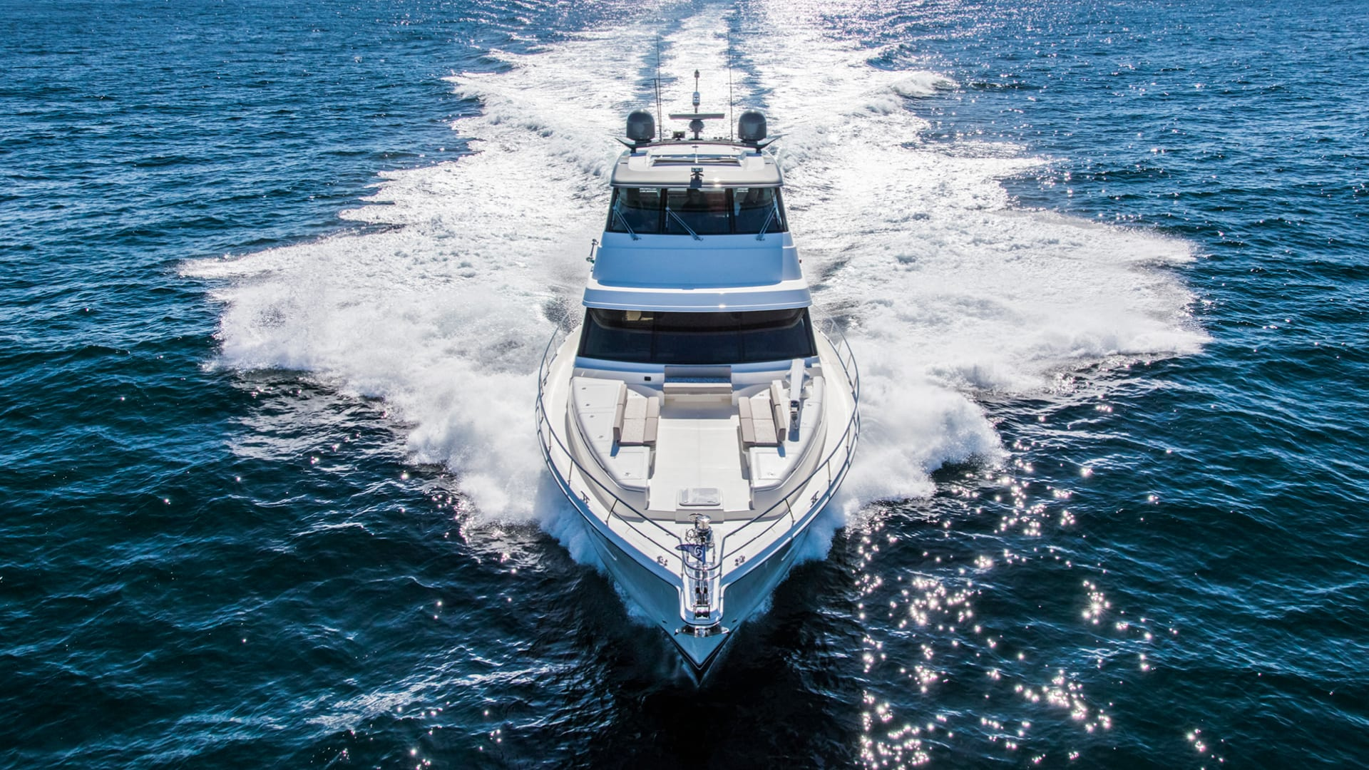 Riviera 72 Sports Motor Yacht Running 04