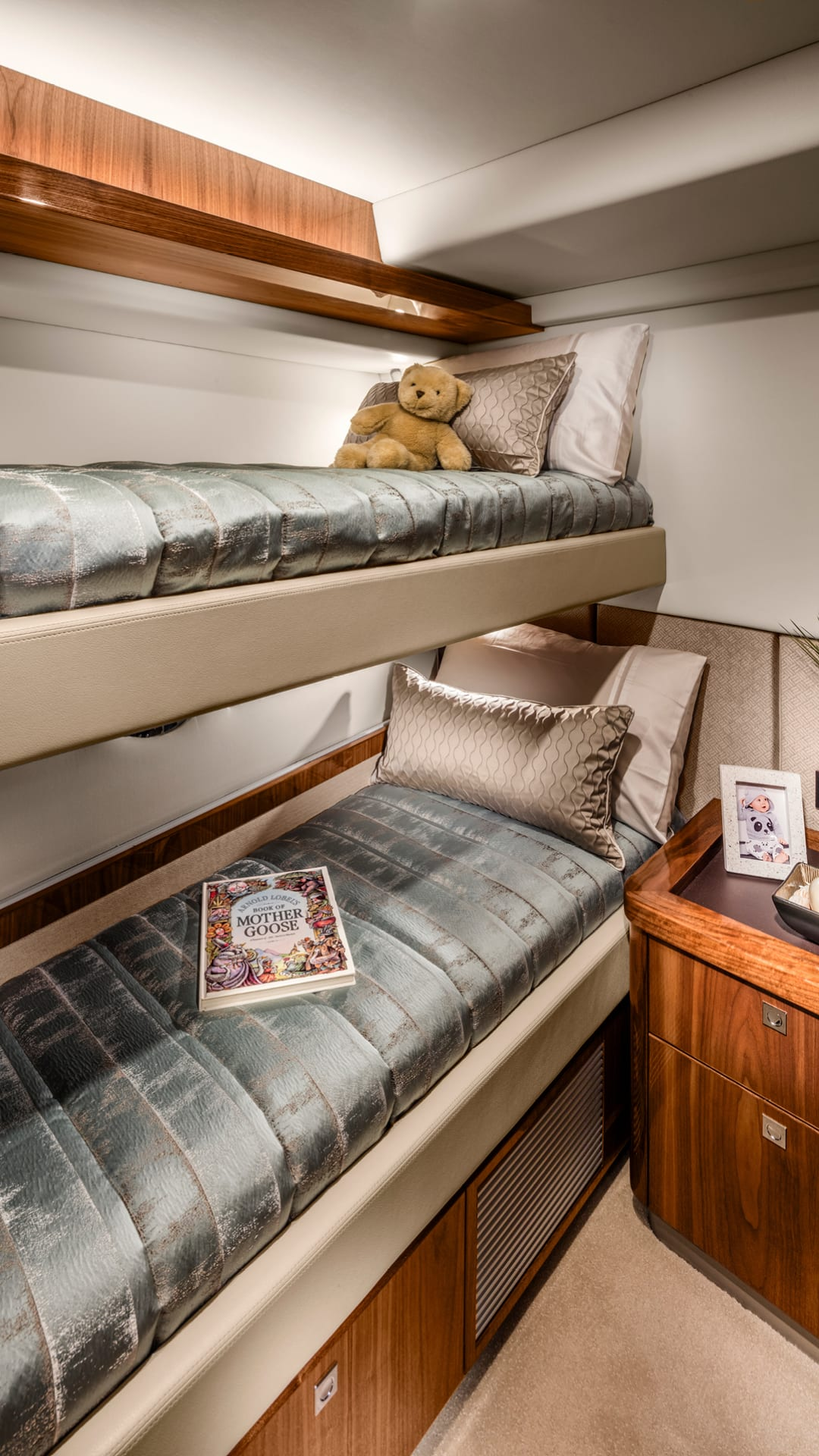Riviera 72 Sports Motor Yacht Starboard Stateroom