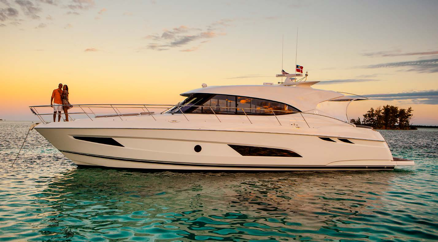 Riviera  5400 Sport Yacht Model