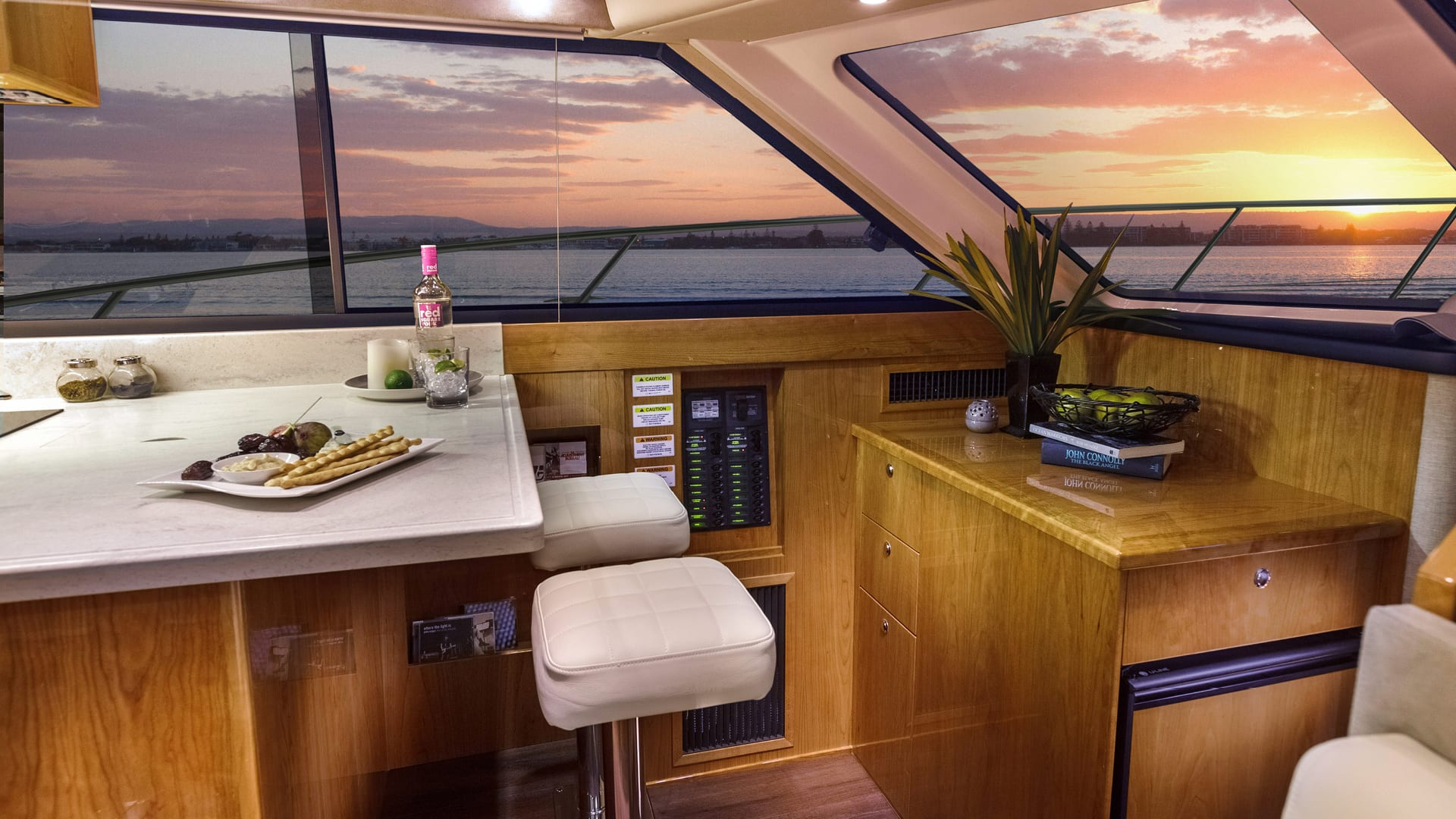 Riviera 43 Open Flybridge Breakfast Bar