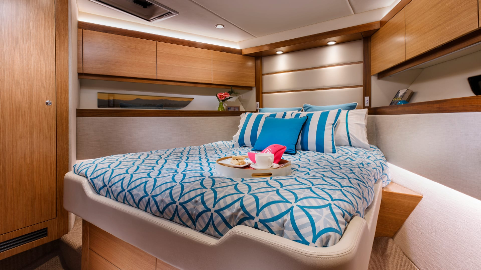 Riviera 52 Enclosed Flybridge Forward VIP Guest Stateroom