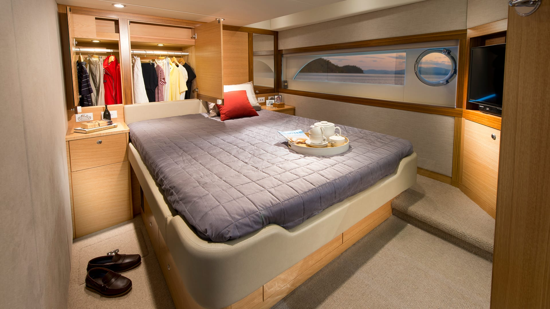 Riviera 52 Enclosed Flybridge Master Stateroom Robe