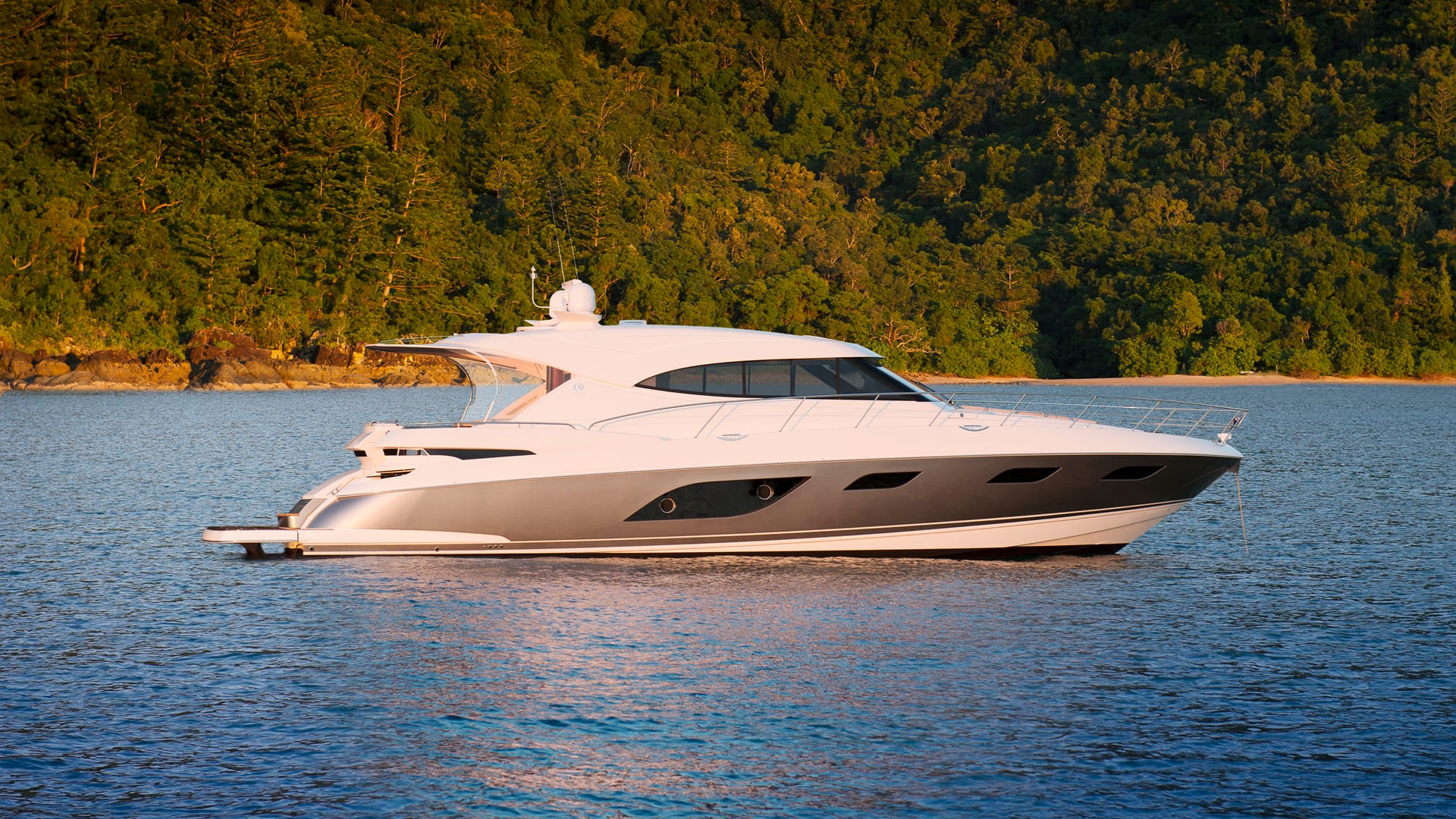 Riviera 6000 Sport Yacht Anchored 01