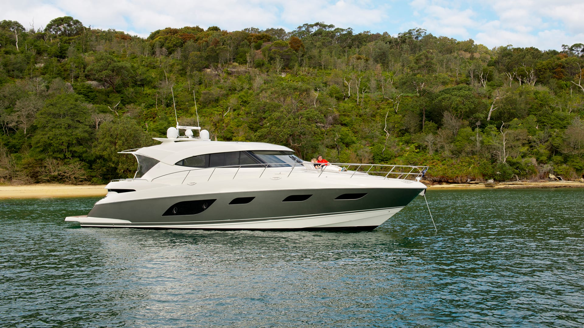 Riviera 6000 Sport Yacht Anchored 03