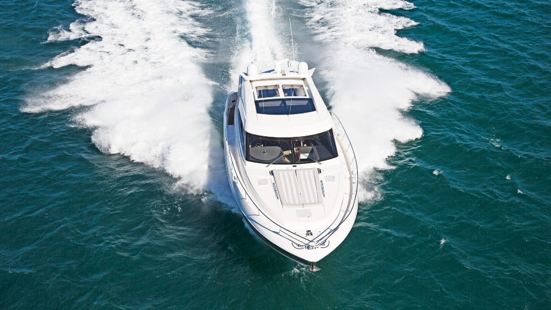 Riviera 6000 Sport Yacht Running 04