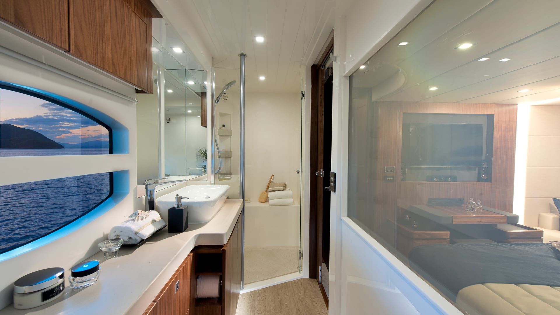 Riviera 6000 Sport Yacht Classic Master Stateroom Ensuite 01