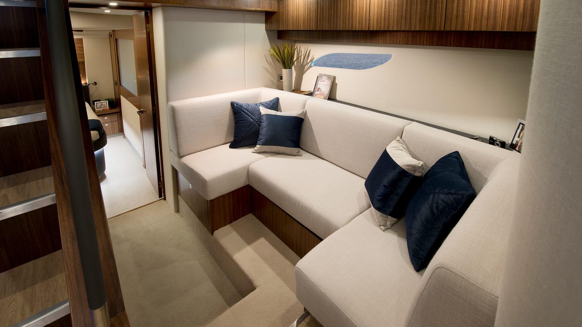 Riviera 6000 Sport Yacht Lower Lounge Option