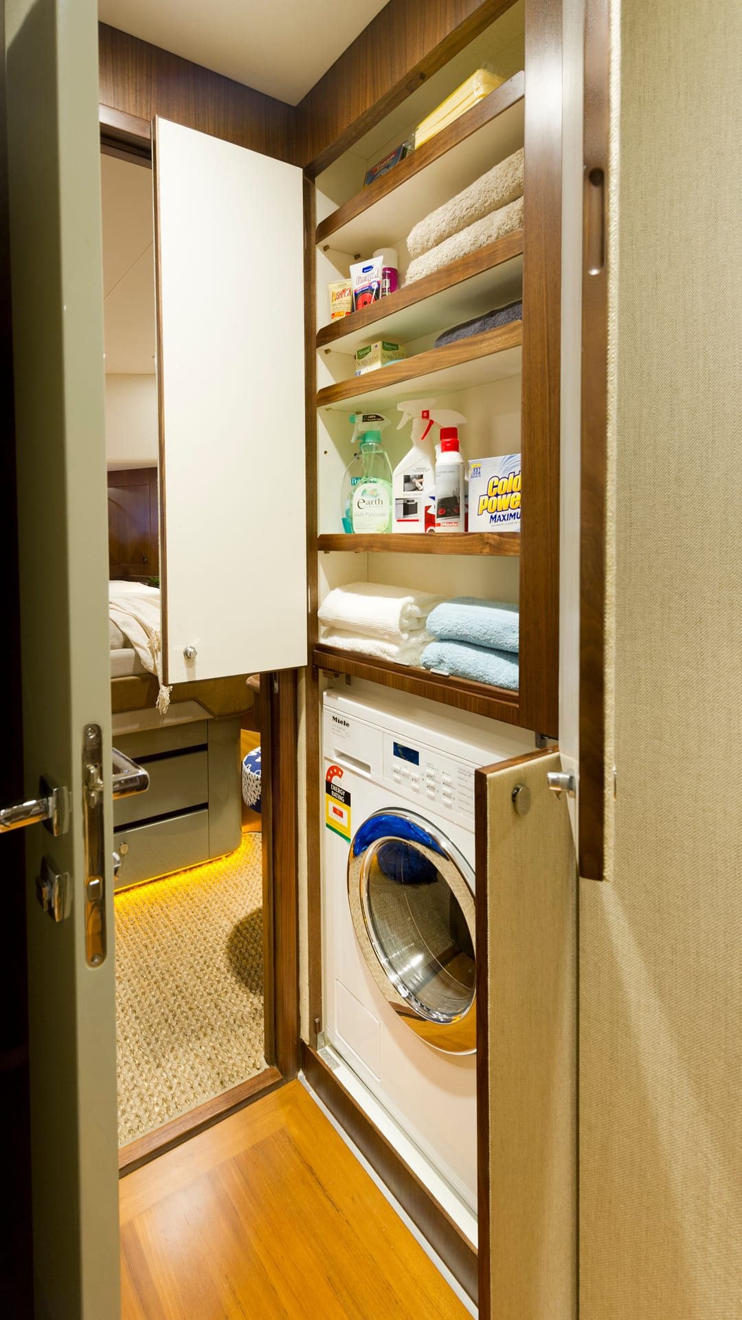 Belize 54 Daybridge Laundry