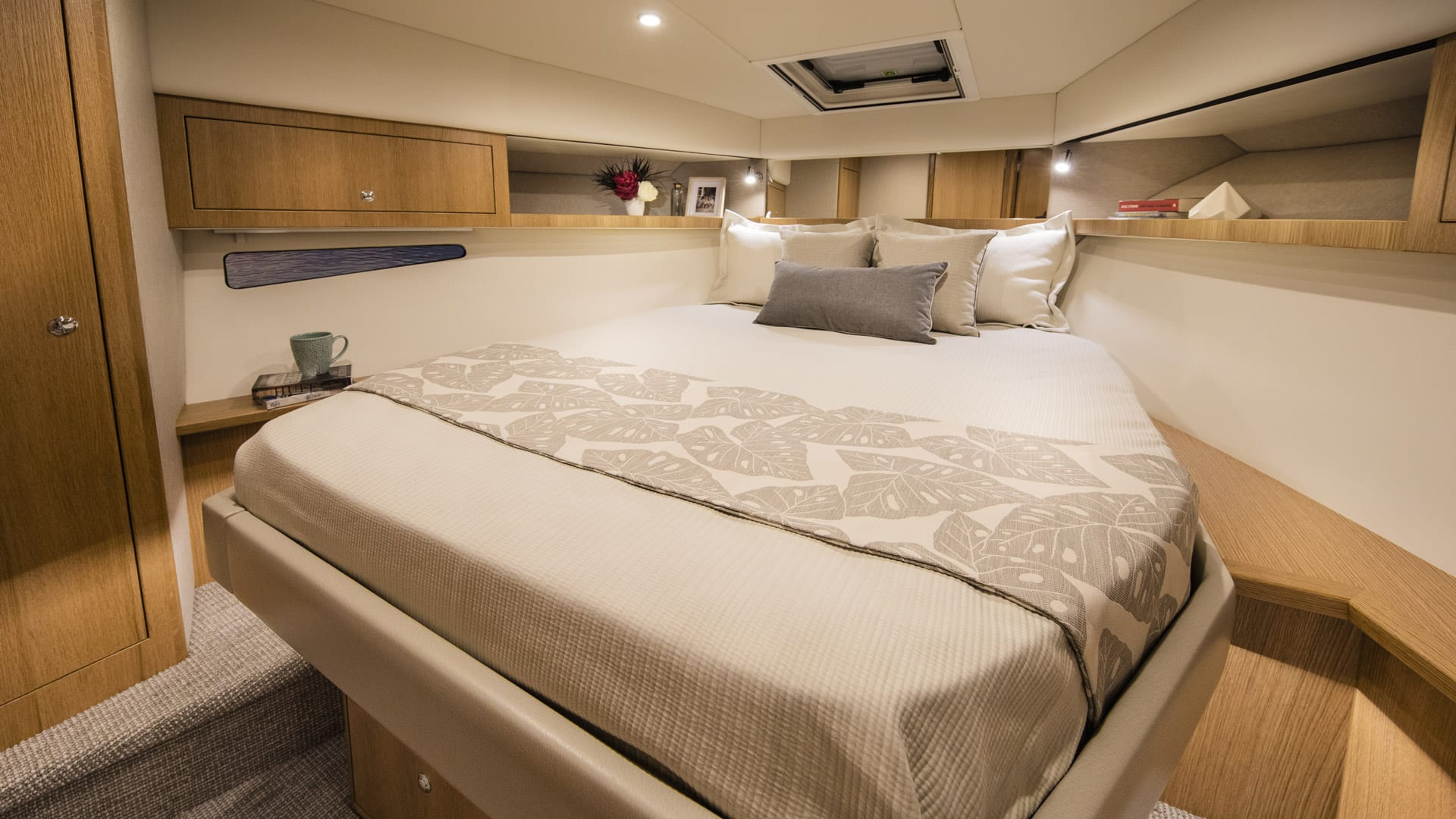 Riviera 39 Open Flybridge Master Stateroom – Satin Oak Timber Finish 01