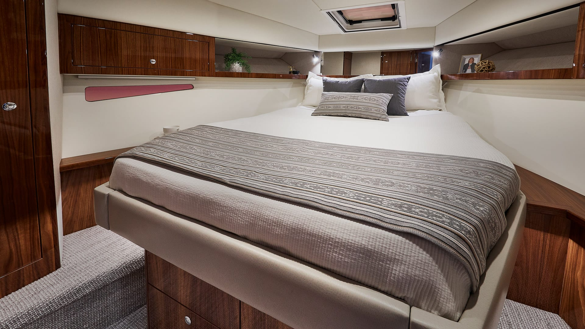 Riviera 395 SUV Master Stateroom – Gloss Walnut Timber Finish 01