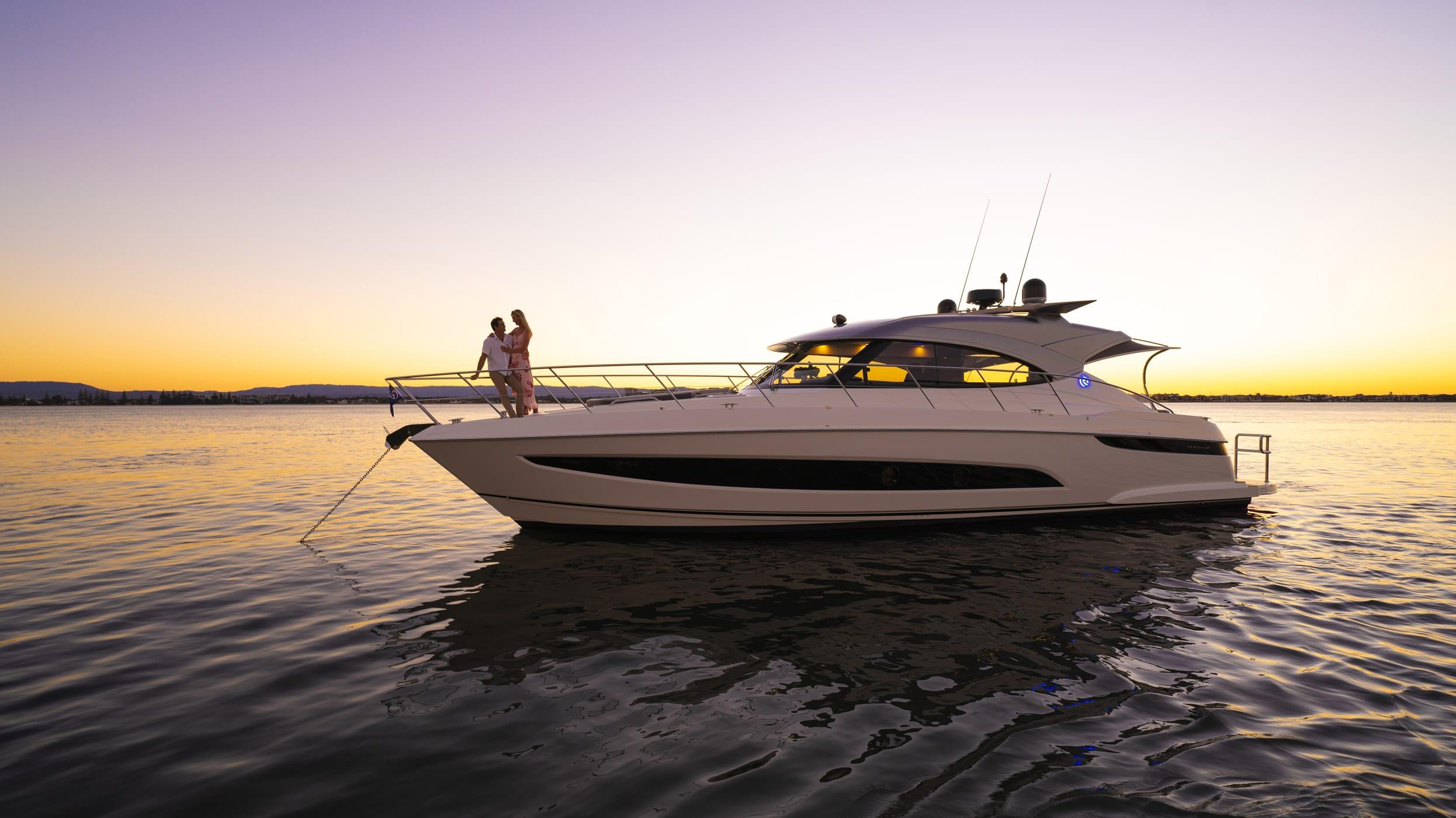 Riviera 4800 Sport Yacht Series II Platinum Edition Lifestyle 01