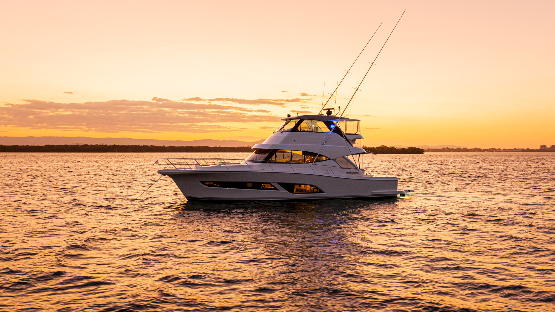 Riviera 50 Sports Motor Yacht Sunset 05