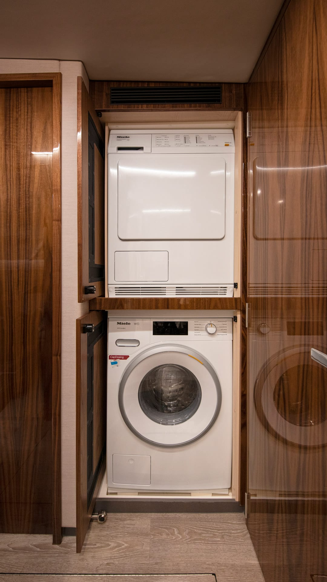 Riviera 505 SUV Laundry 02 – Gloss Walnut Timber Finish