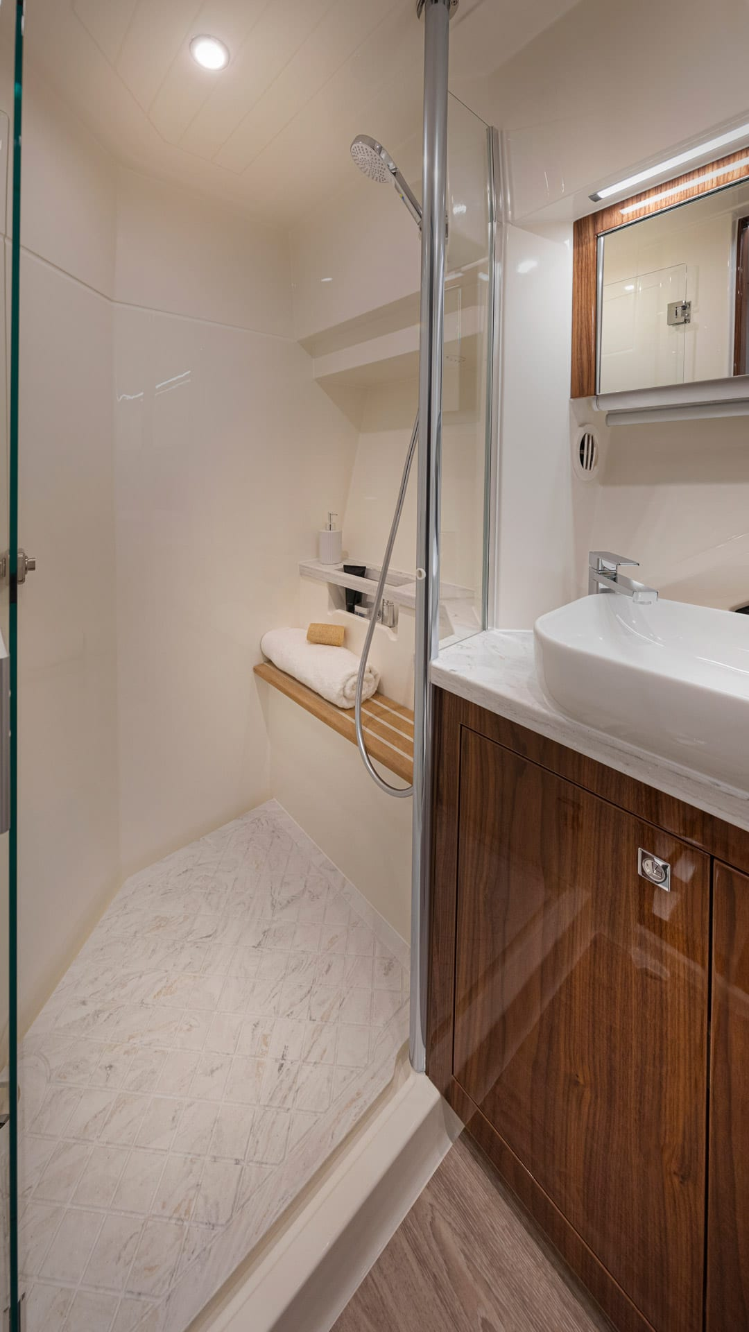 Riviera 505 SUV Master Ensuite 02 – Gloss Walnut Timber Finish