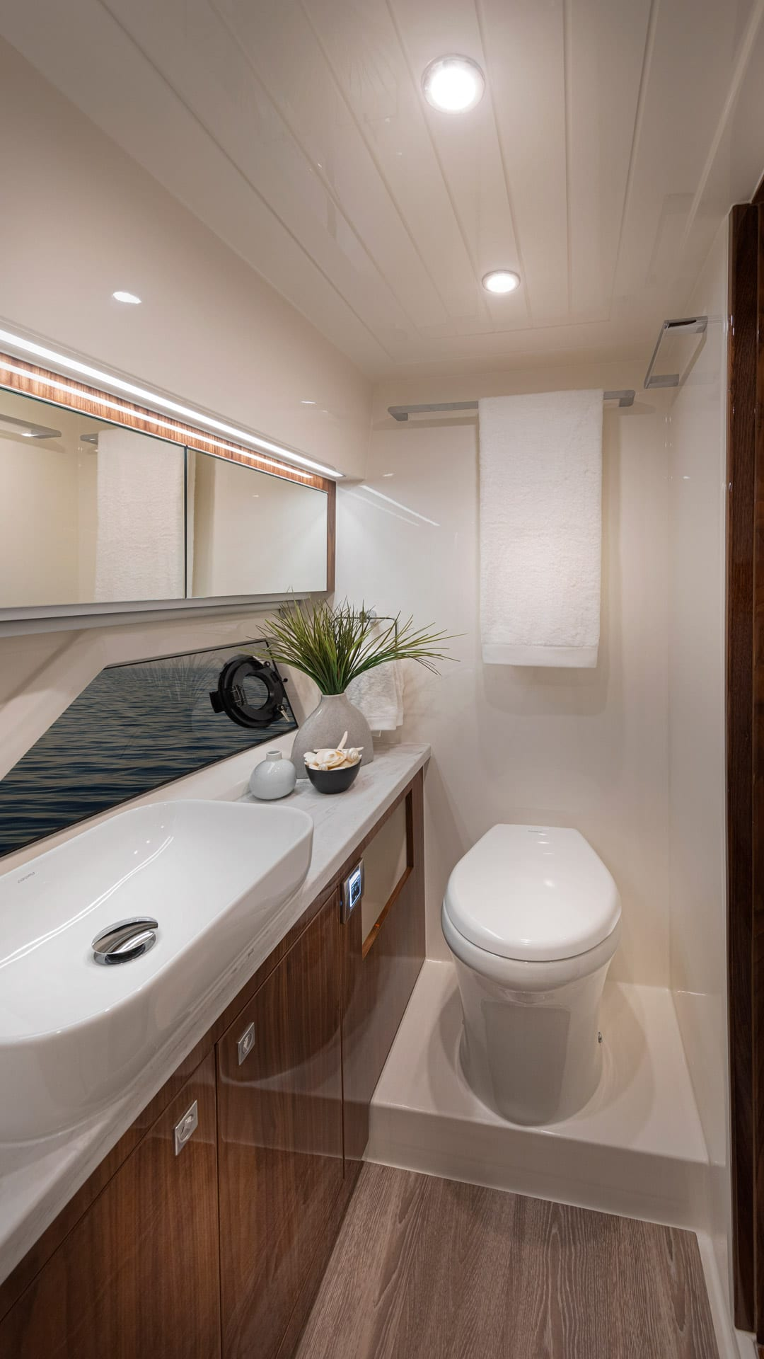 Riviera 505 SUV Master Ensuite 03 – Gloss Walnut Timber Finish