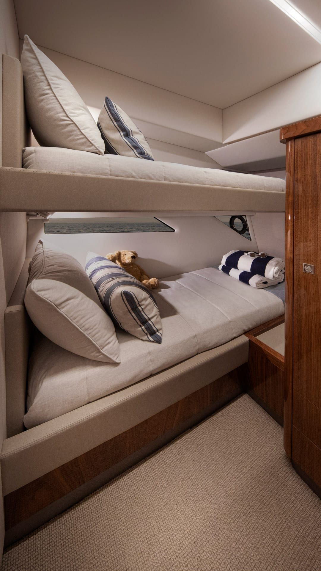 Riviera 505 SUV Starboard Stateroom 01 – Gloss Walnut Timber Finish