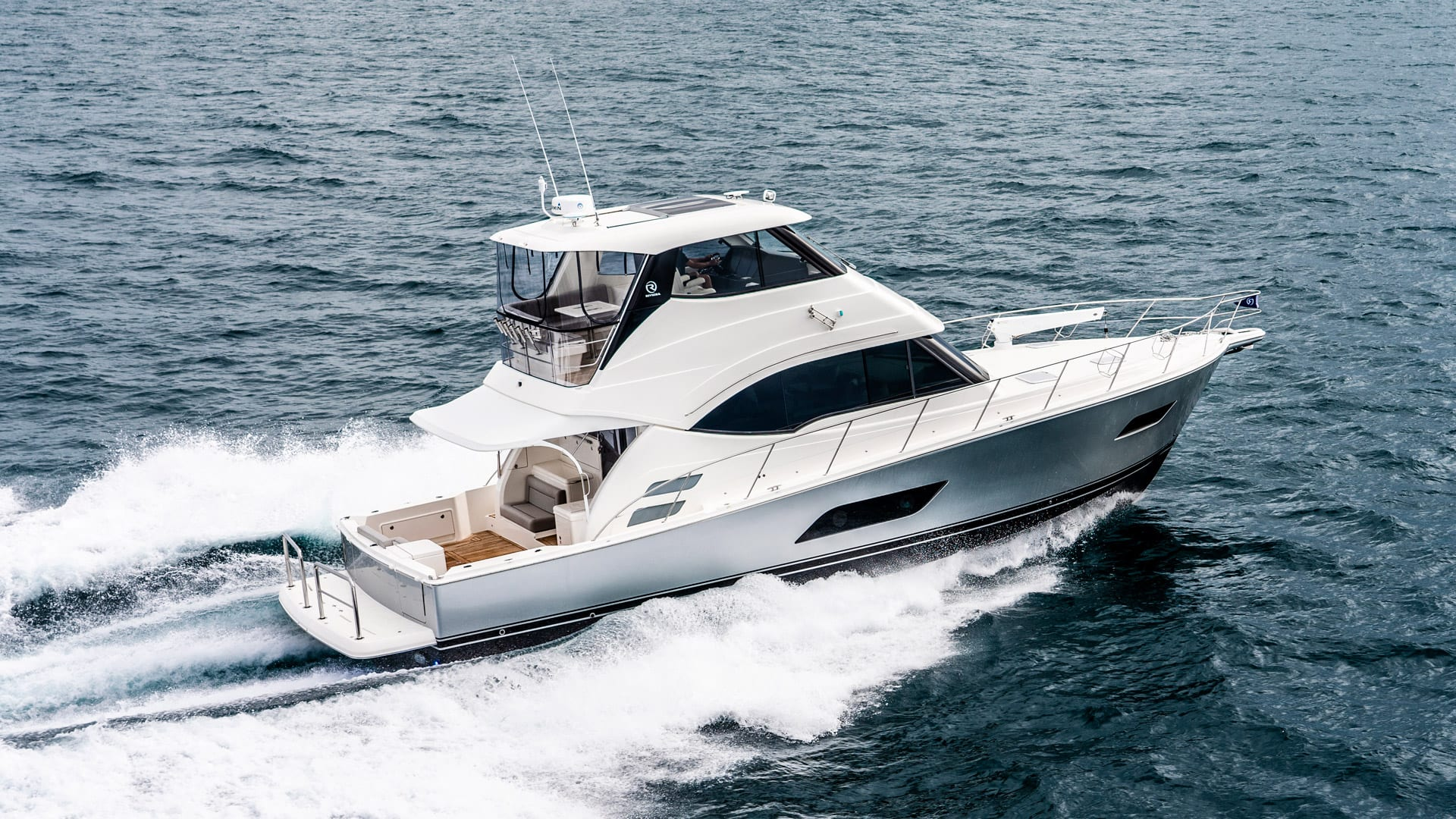 Riviera 54 Enclosed Flybridge 04