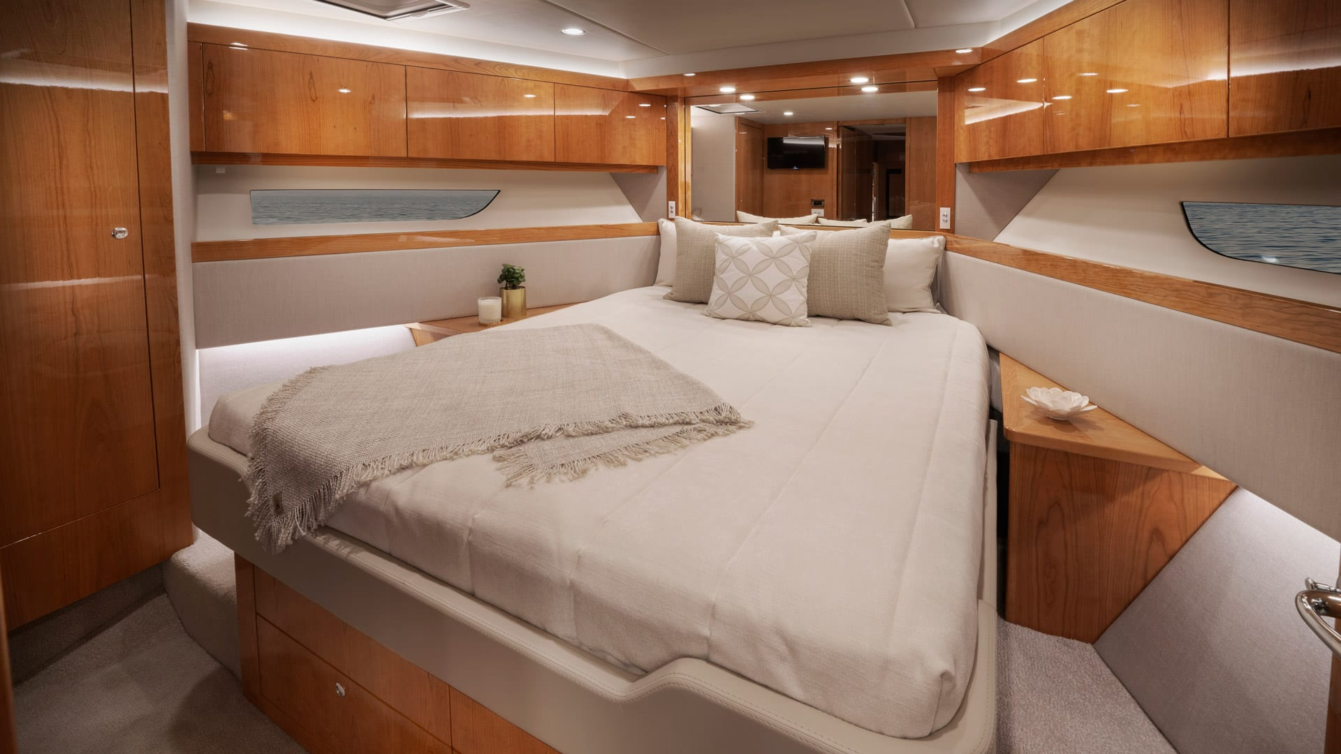 Riviera 54 Enclosed Flybridge Forward VIP Stateroom – Gloss Cherrywood Timber Finish 01