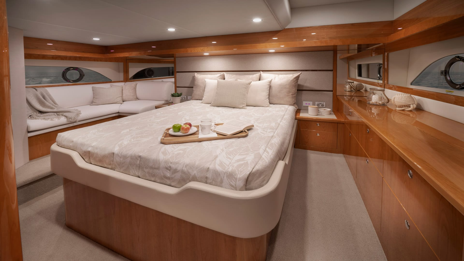 Riviera 54 Enclosed Fybridge Master Stateroom – Gloss Cherrywood Timber Finish 01