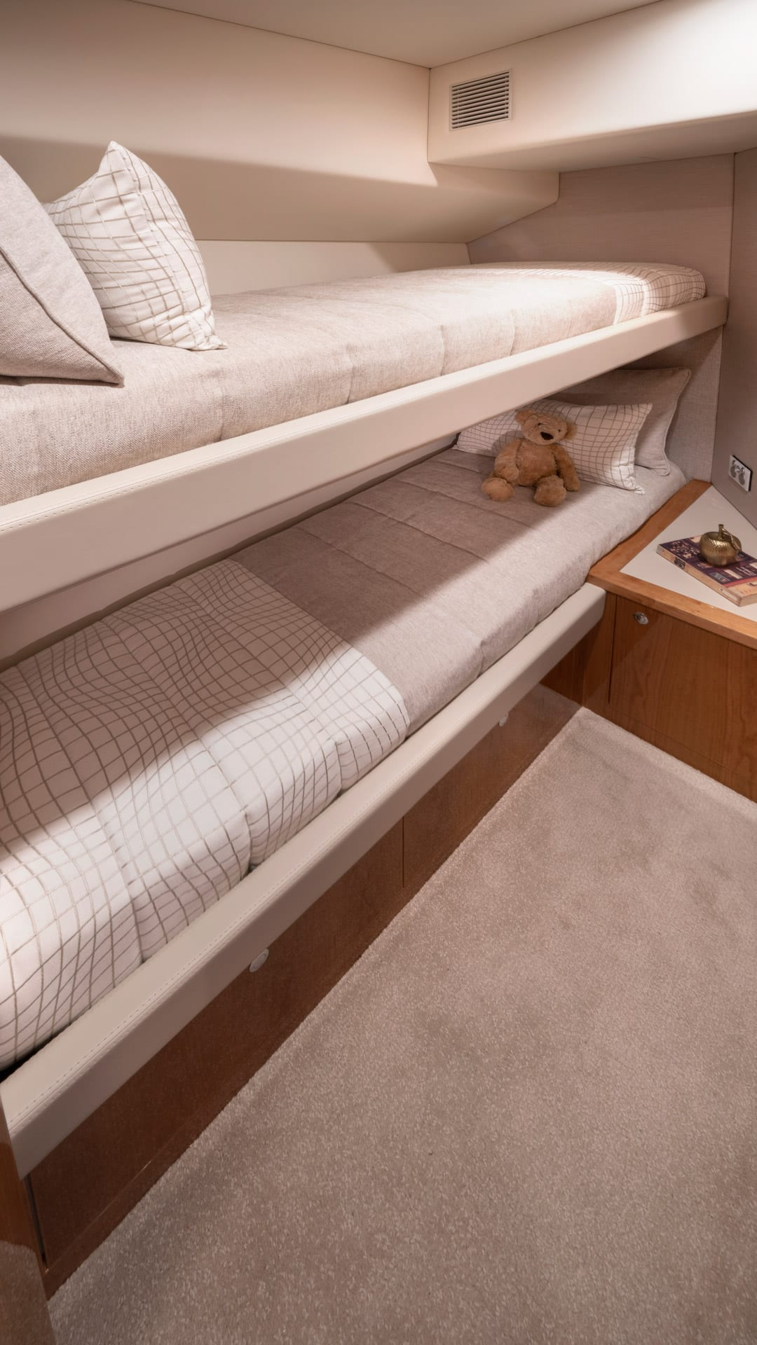 Riviera 54 Enclosed Fybridge Starboard Stateroom – Gloss Cherrywood Timber Finish 01