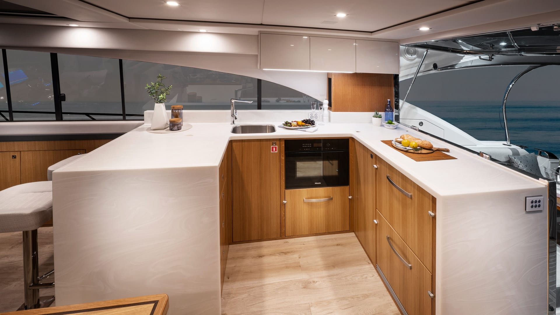 Riviera 5400 Sport Yacht Platinum Edition Galley 01