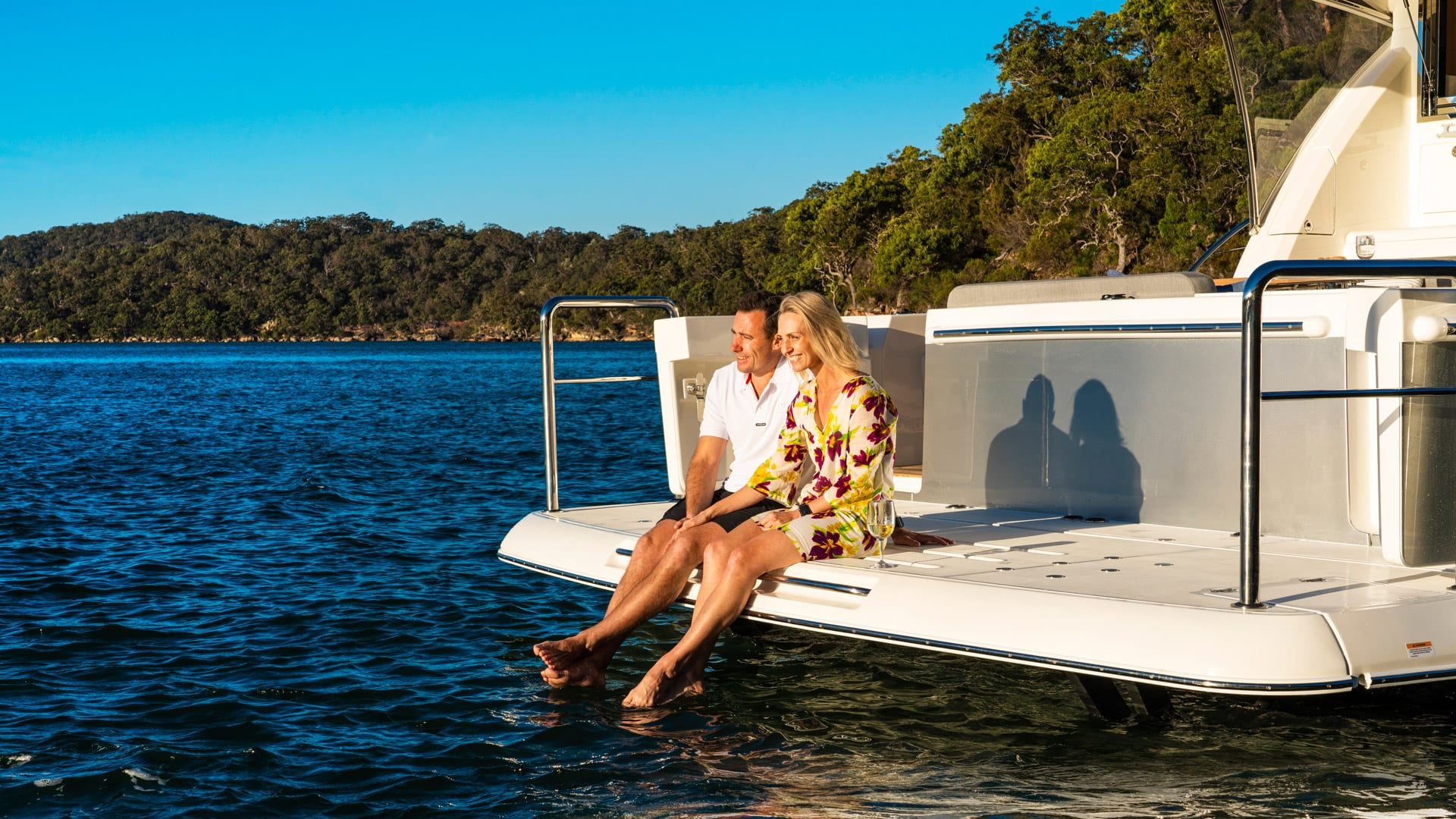 Riviera 545 SUV Swim Platform Lifestyle 01