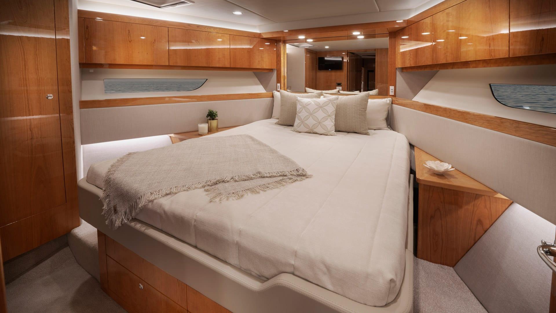 Riviera 545 SUV Forward VIP Stateroom – Gloss Cherrywood Timber Finish 01
