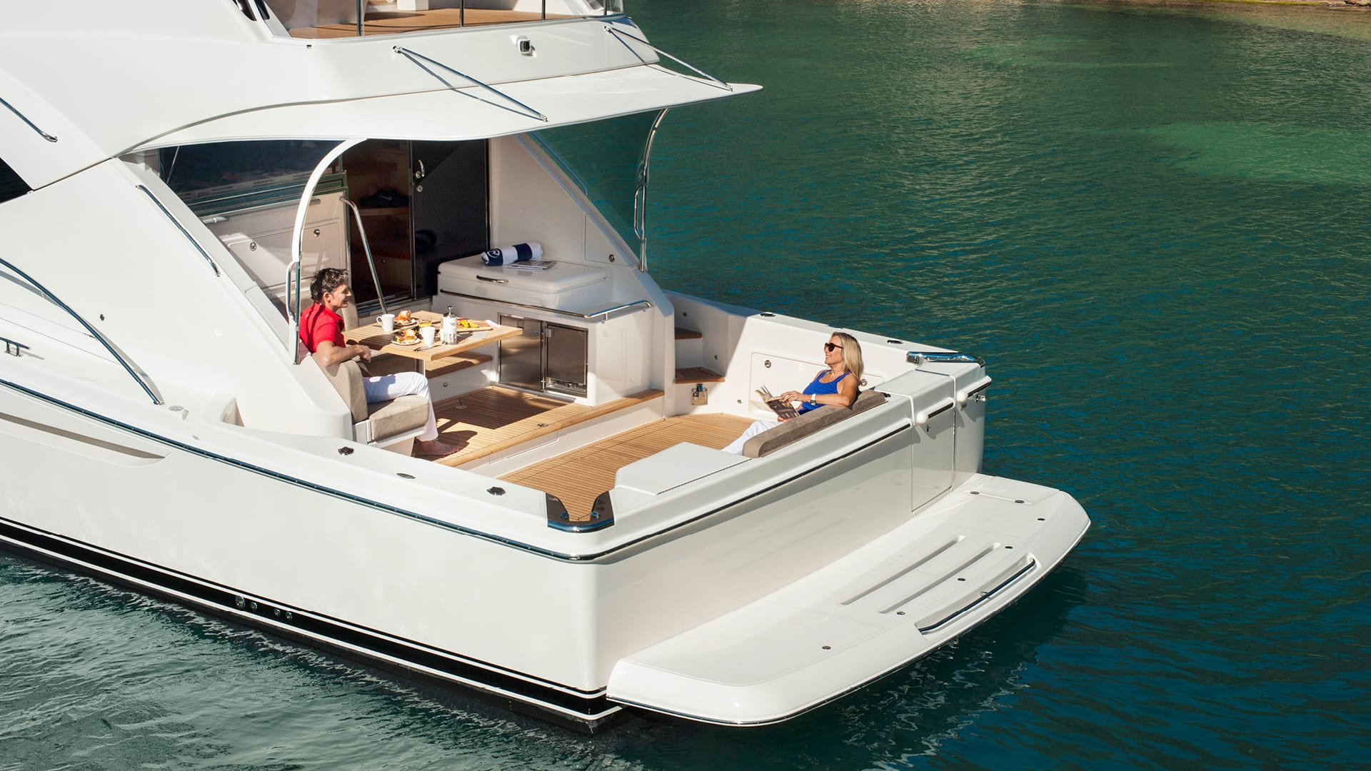 Riviera 57 Enclosed Flybridge Cockpit 01