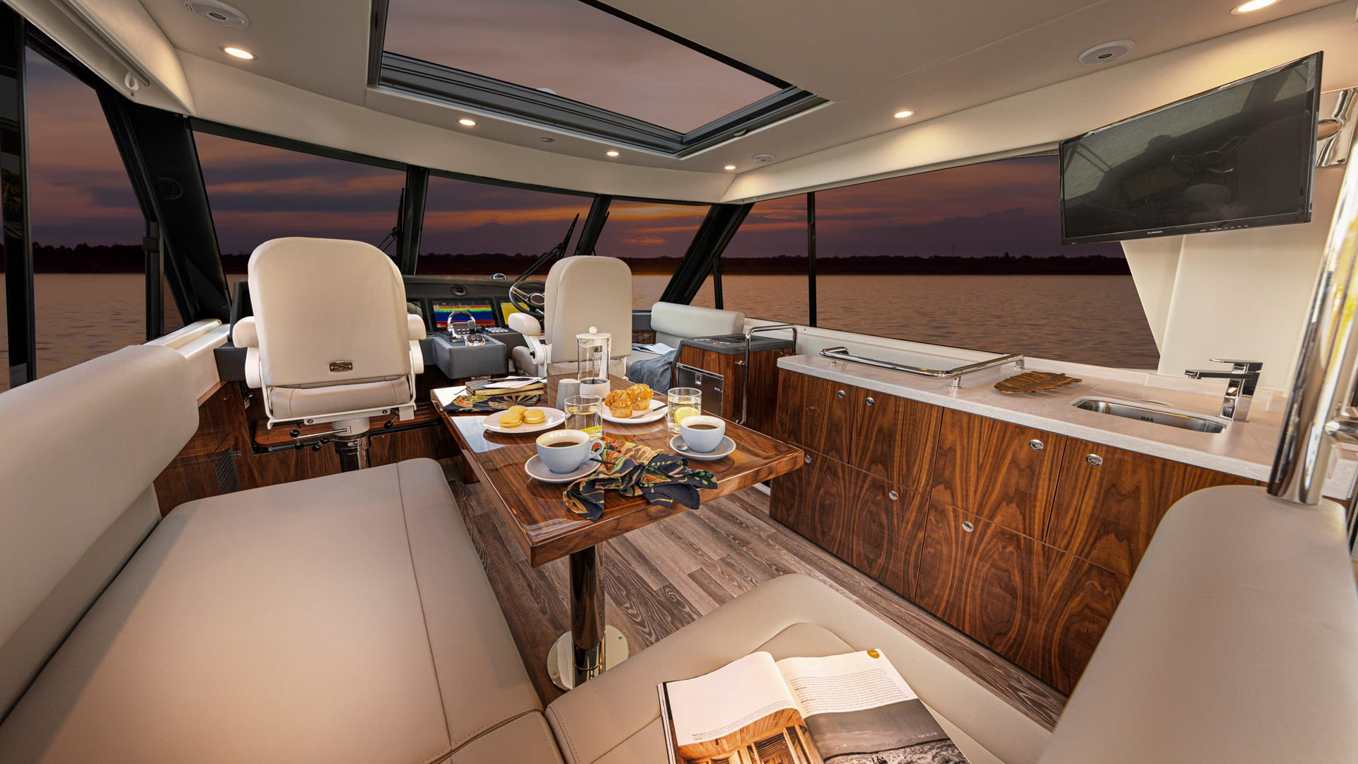 Riviera 57 Enclosed Flybridge Flybridge 01 – Gloss Walnut Timber Finish