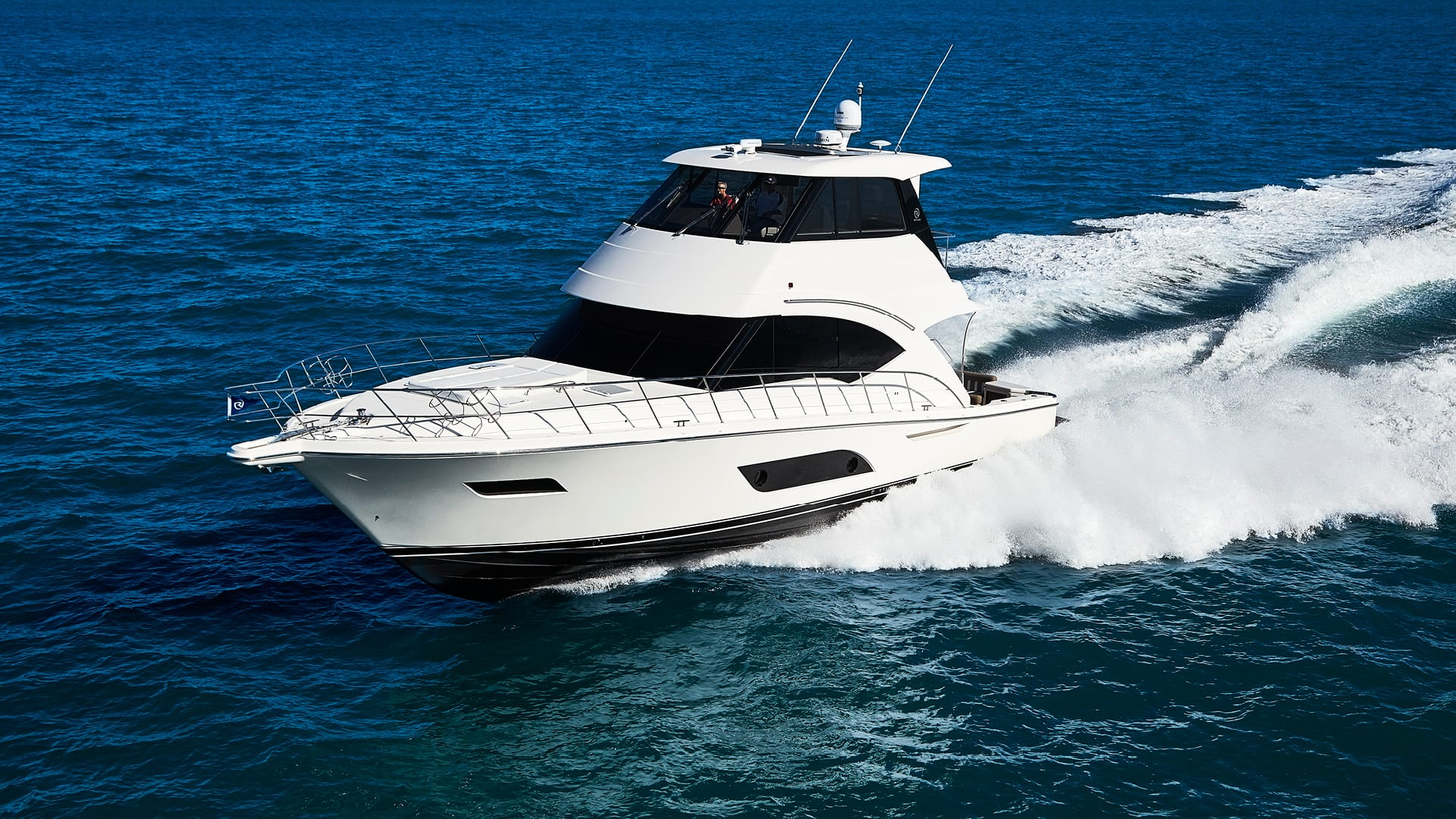 Riviera 57 Enclosed Flybridge Running 04
