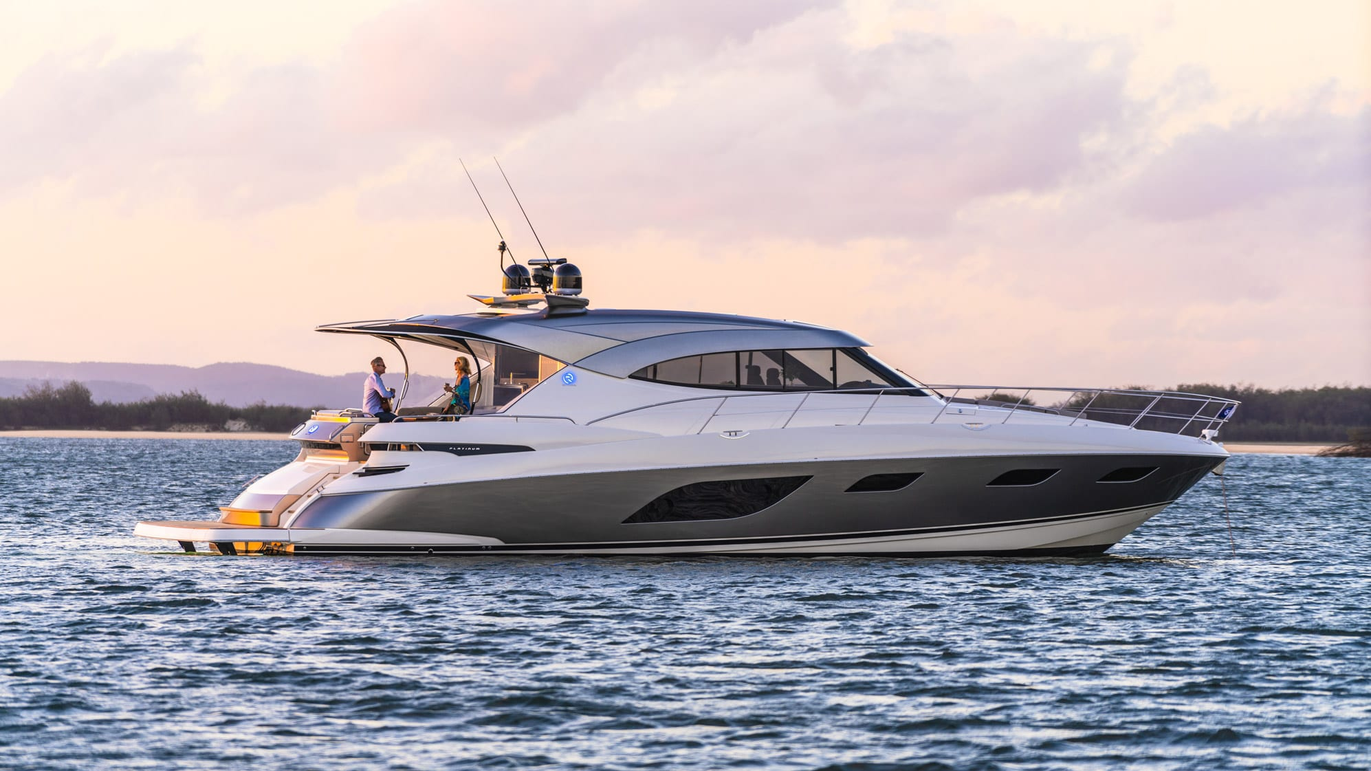 Riviera 6000 Sport Yacht Platinum Edition Anchored 03